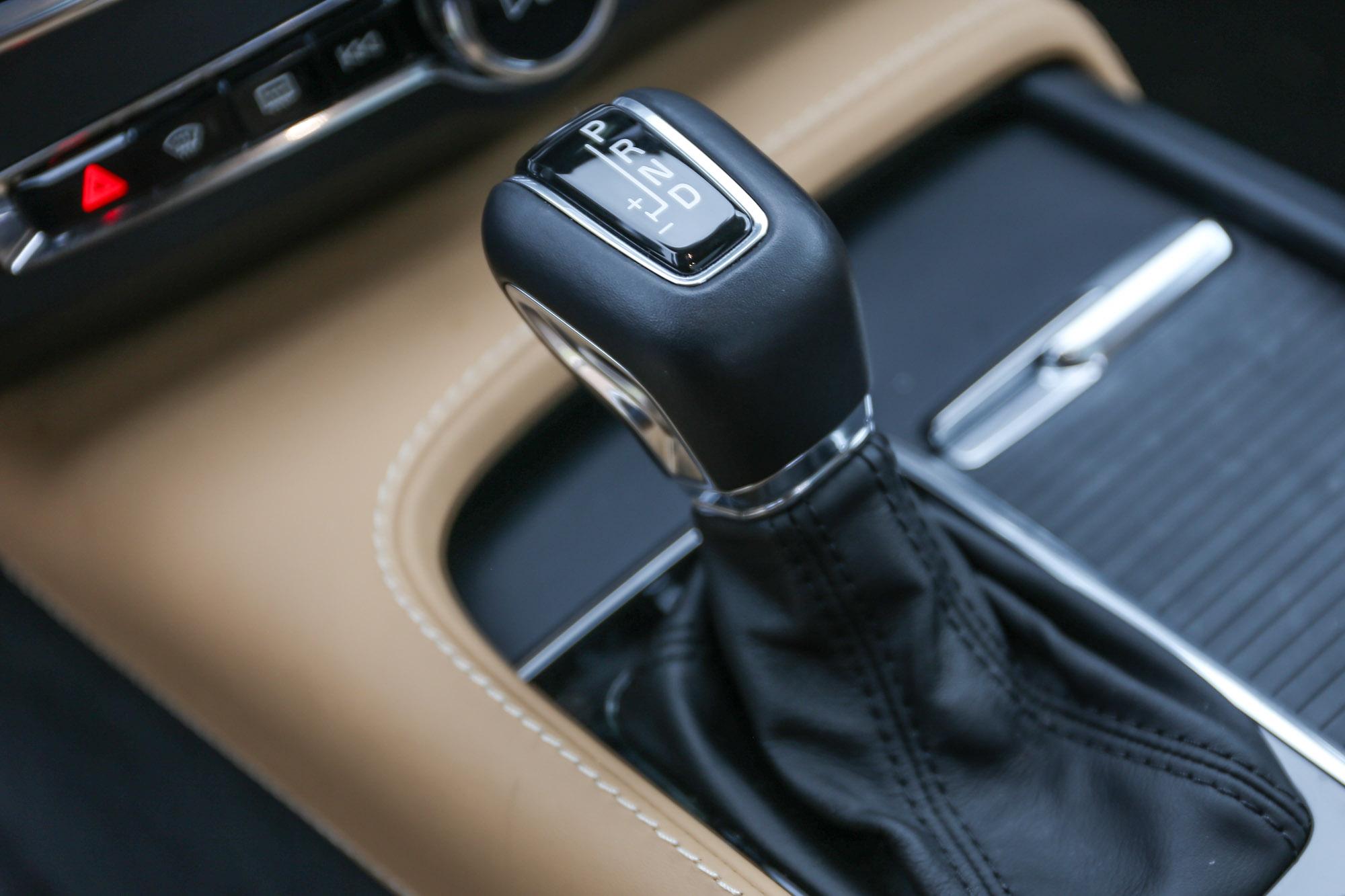 不分汽柴油車型皆配備 Geartronic 8 速手自排變速箱。