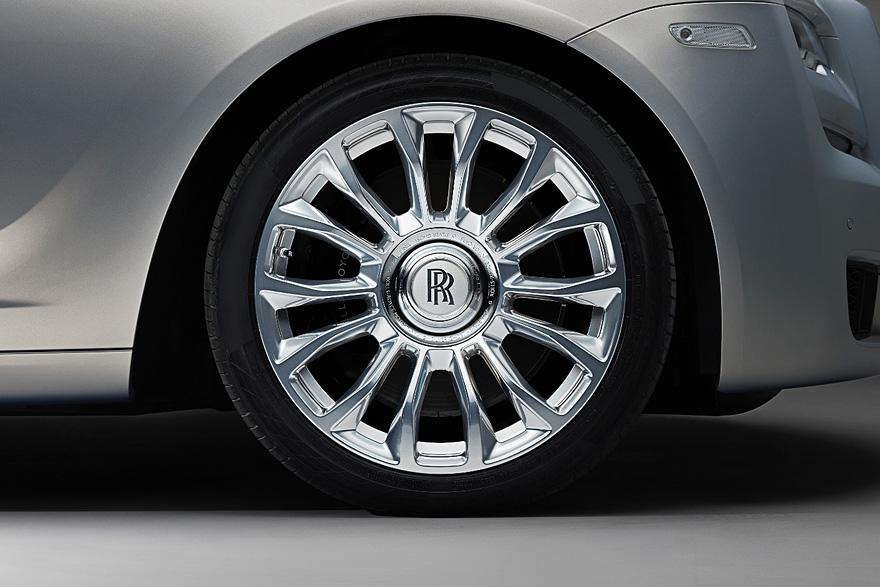 永遠正向的輪芯雙 R 標誌