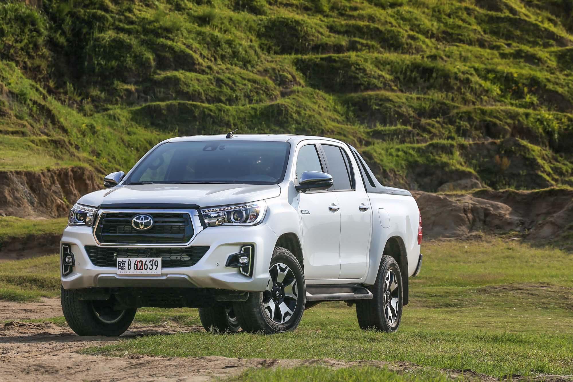 新引進的 Toyota Hilux 採單一車型設定,售價為新台幣 136 萬元。