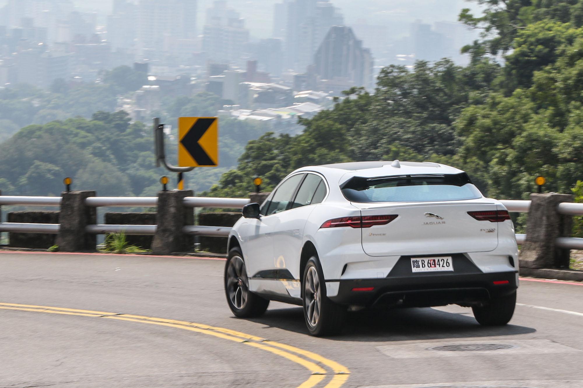 準備好迎接電動車的未來了嗎?I-Pace 建議你可以開始想這可能性囉!