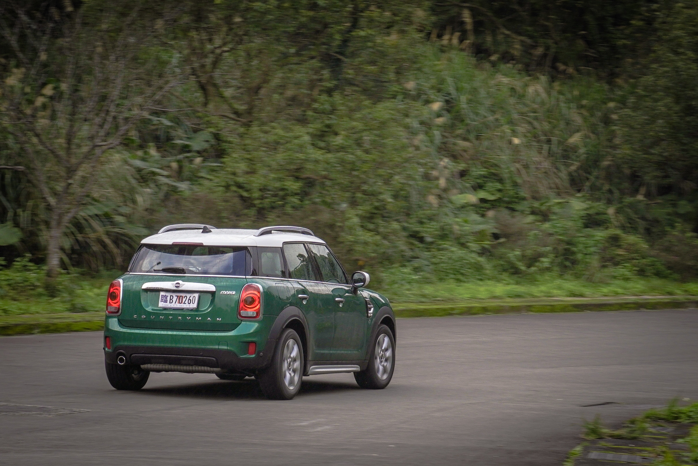 0-100 km/h 加速可於 9.7 秒完成。