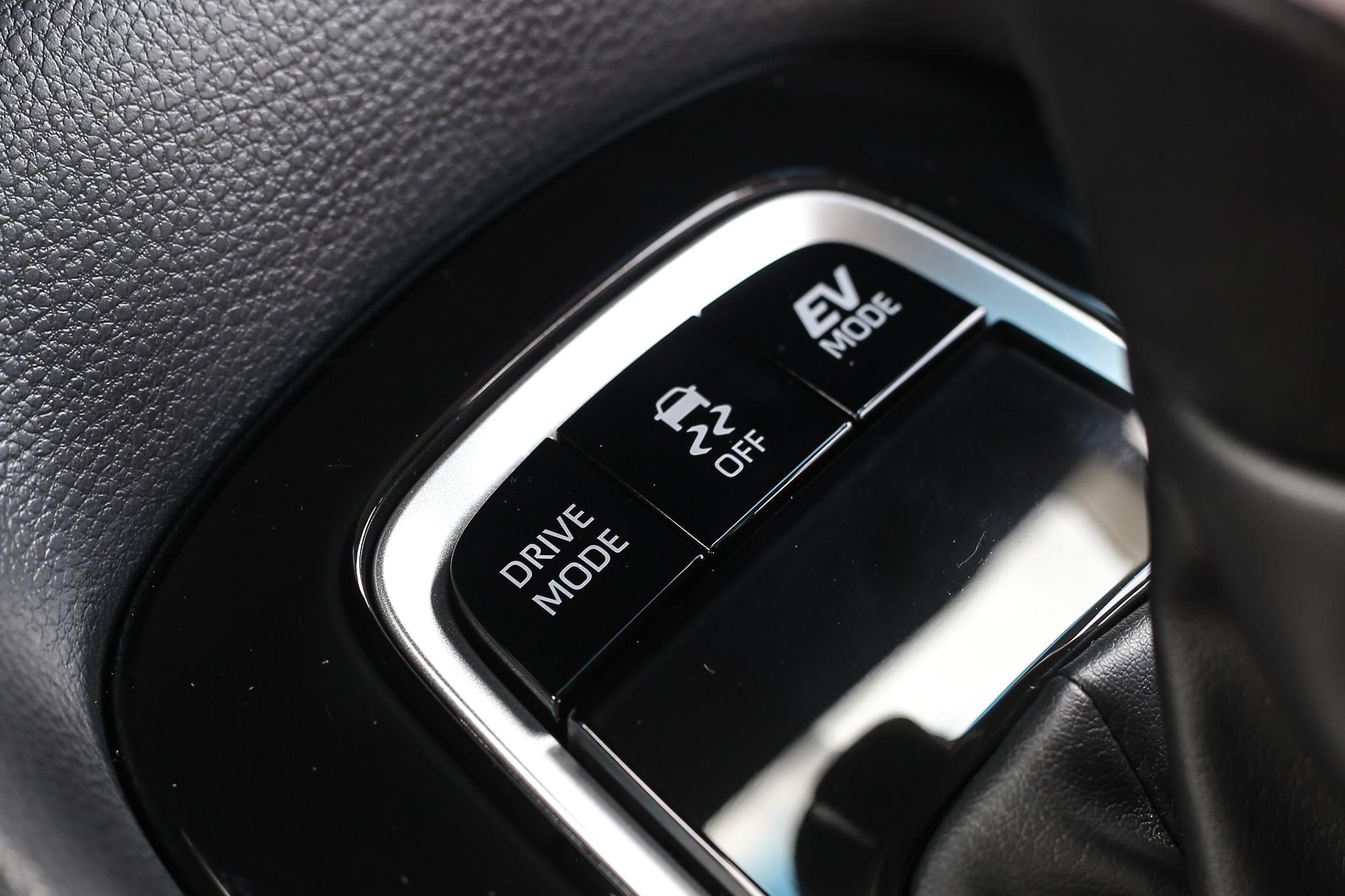 同時也配備有駕駛模式調整功能與純電行駛模式。