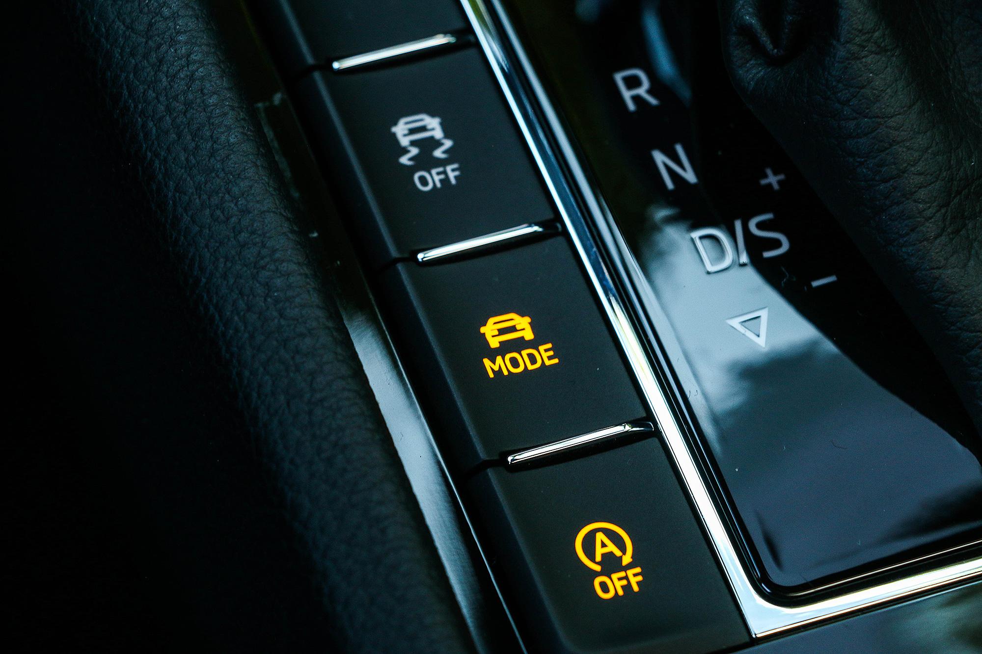 駕駛模式選擇系統與 DCC 主動式懸吊系統也是試駕車所擁有的配備。