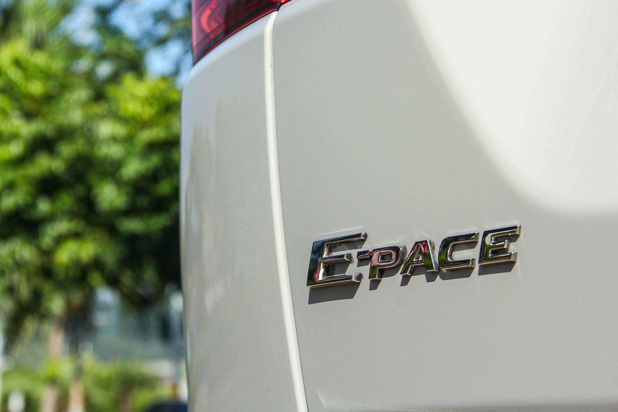 回顧 E-Pace 初入台之際,雖然有優美的線條與多元的車型選擇,卻少了一些可以更有力說服買家的理由。