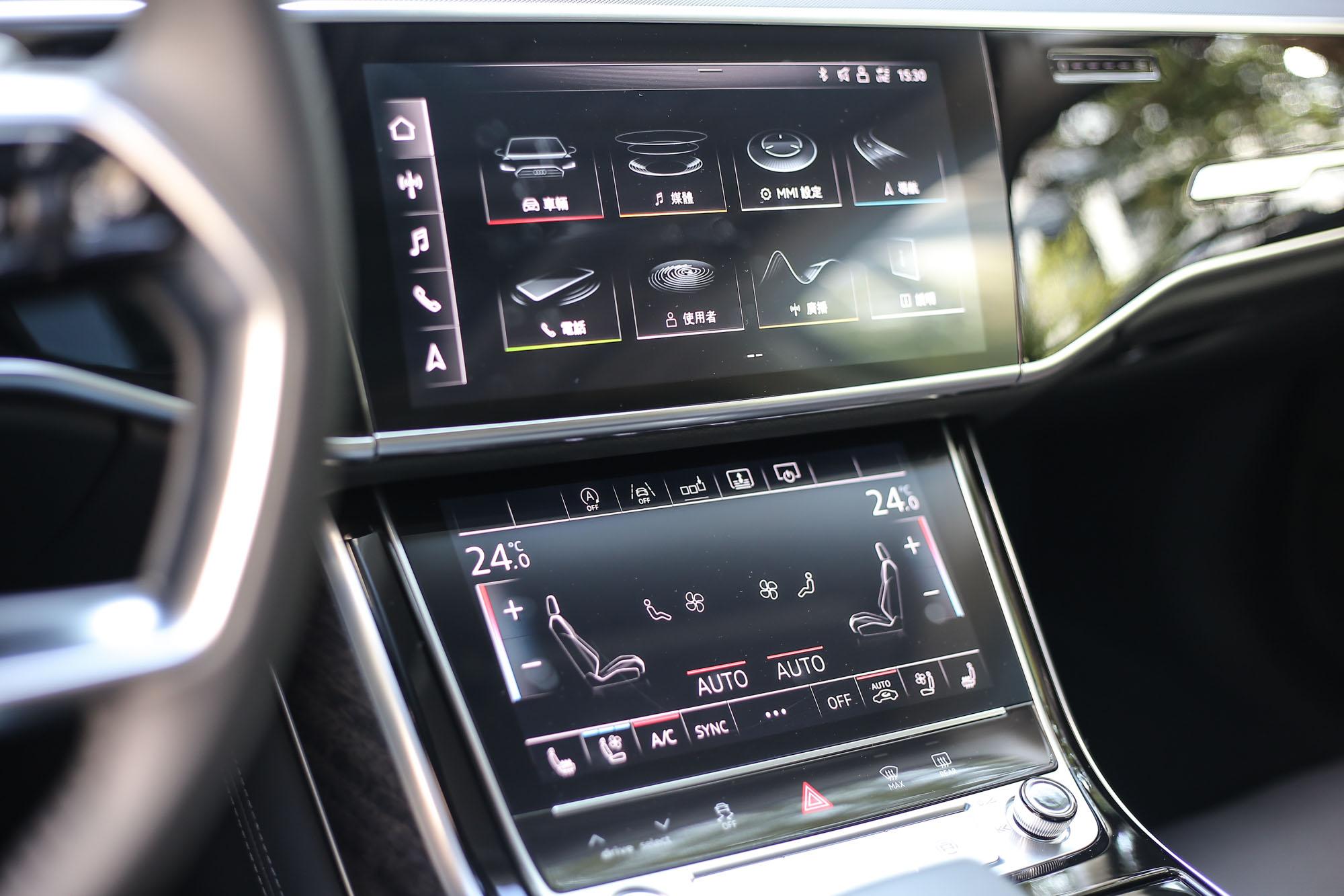 MMI touch response 直覺式觸控系統賦予中控臺兩具觸控螢幕。