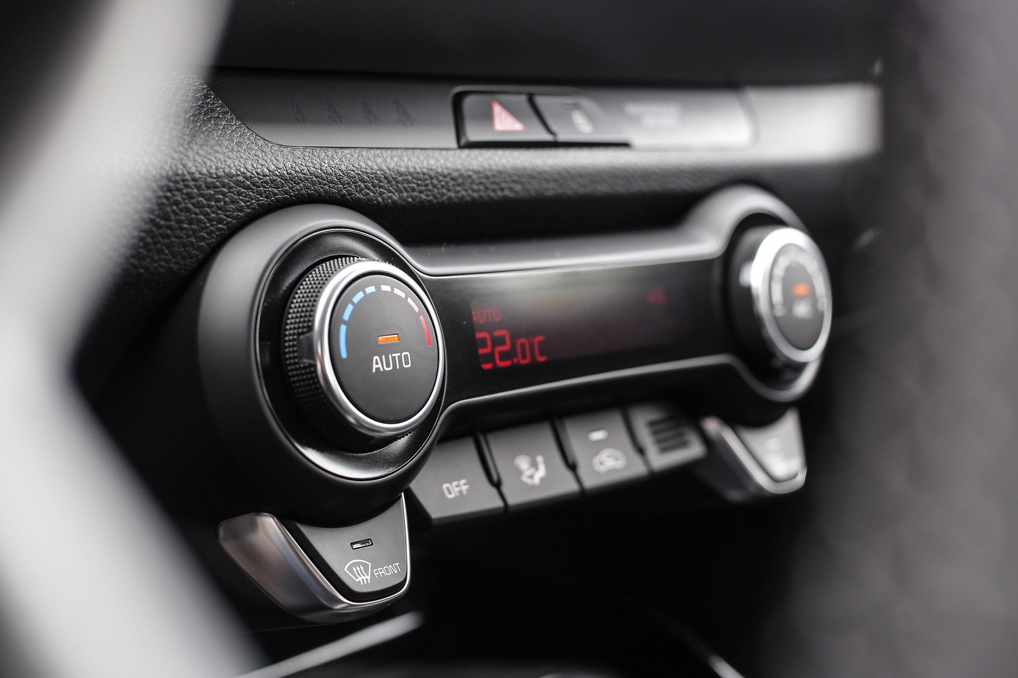 操控直覺、觸感優異的空調區塊是我整個座艙最喜歡的部分。
