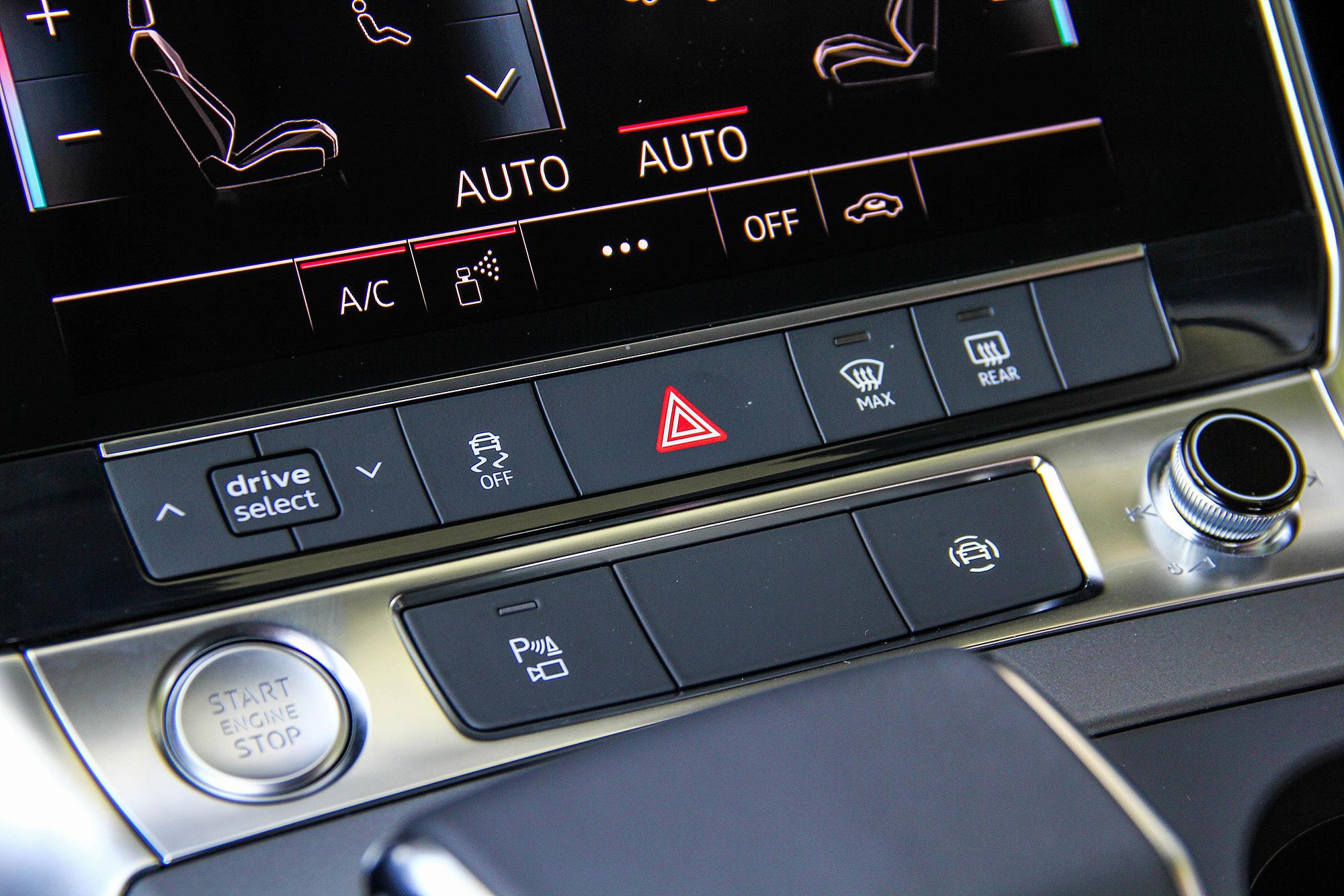 ADAS 系統可透過排檔座鞍部前的快捷按鈕切換。