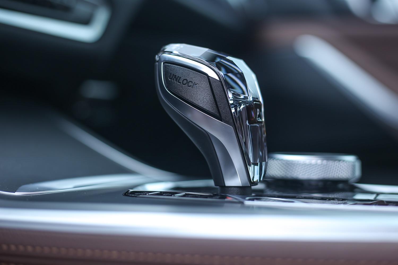 前150位車主免費升級的水晶中控套件。