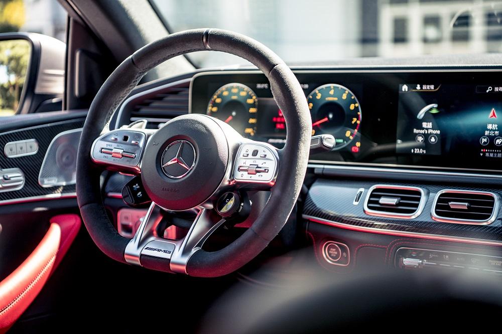 Mercedes-AMG 車款以遊艇座艙元素打造內裝。