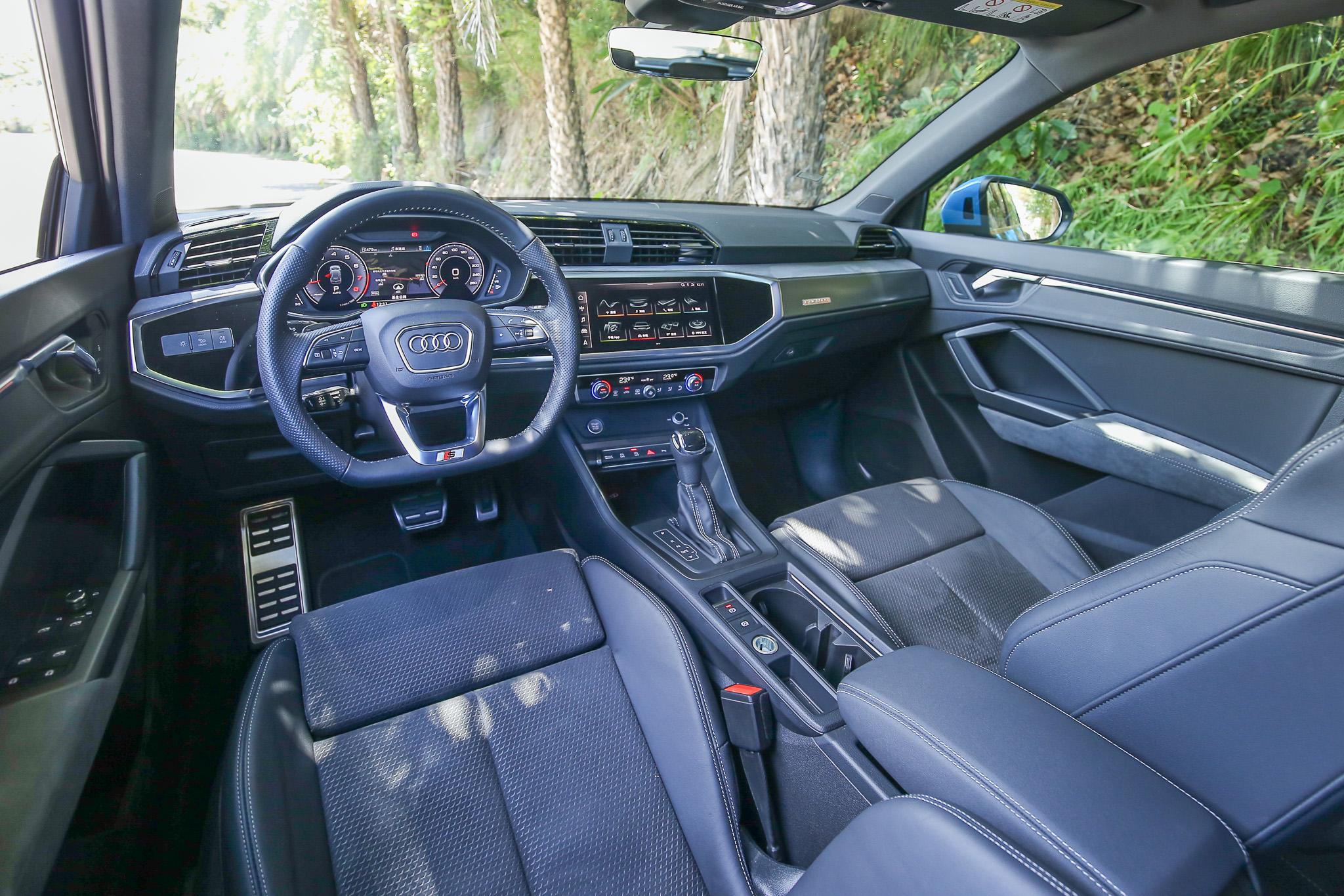 由於內裝選配 S line內裝套件與Virtual cockpit全數位虛擬駕駛座艙套件,科技感與質感更上層樓。