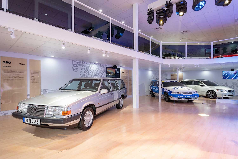 左起為 Volvo 960、850、V50。