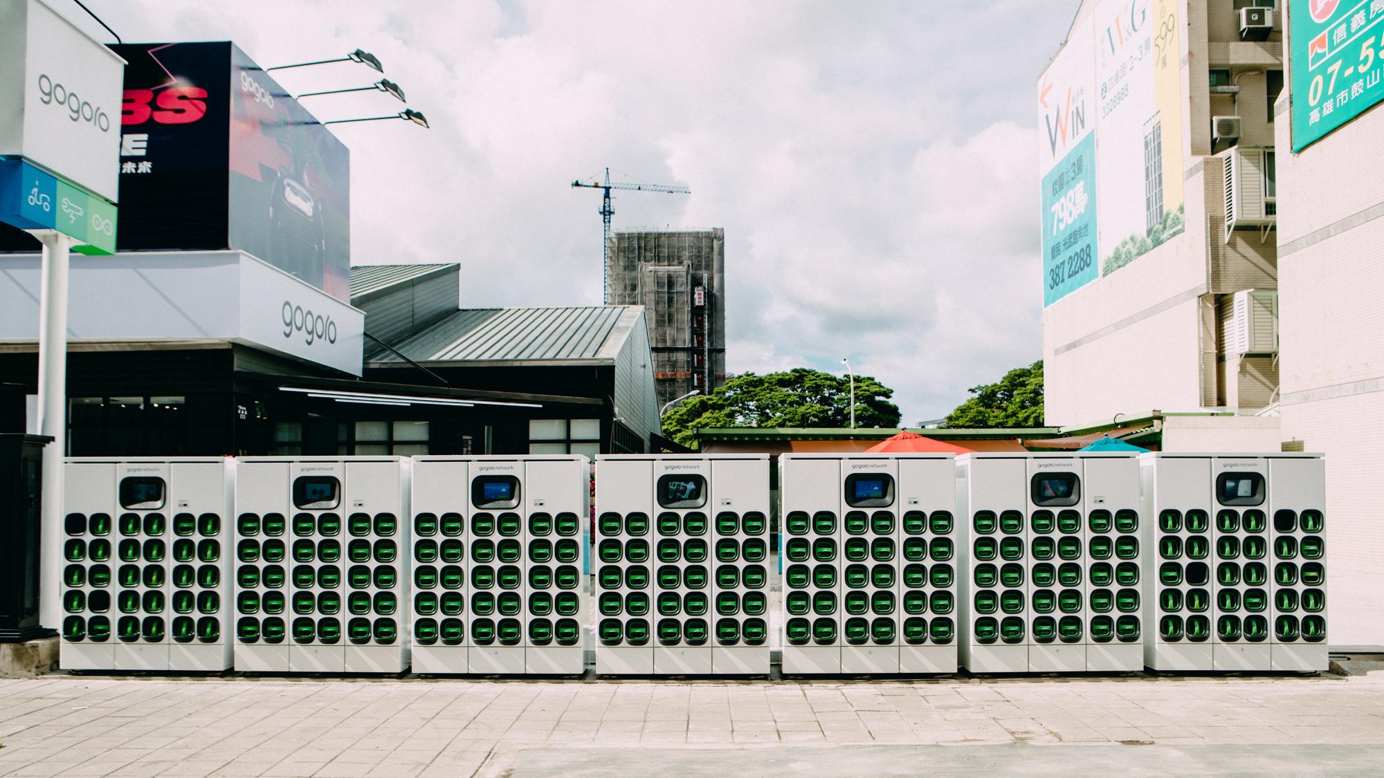 這裡有 200 顆電池可換!Gogoro 高雄鼓山青海門市全新開幕