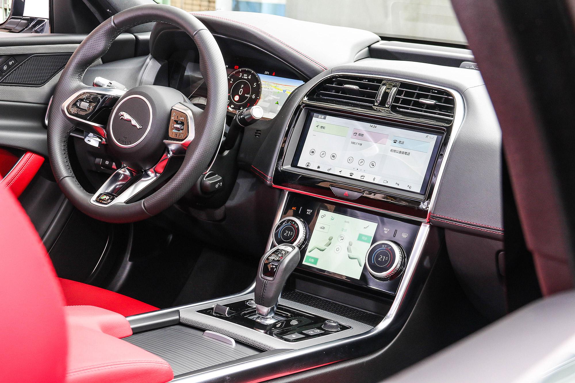 科技化的座艙是小改款的一大重點。