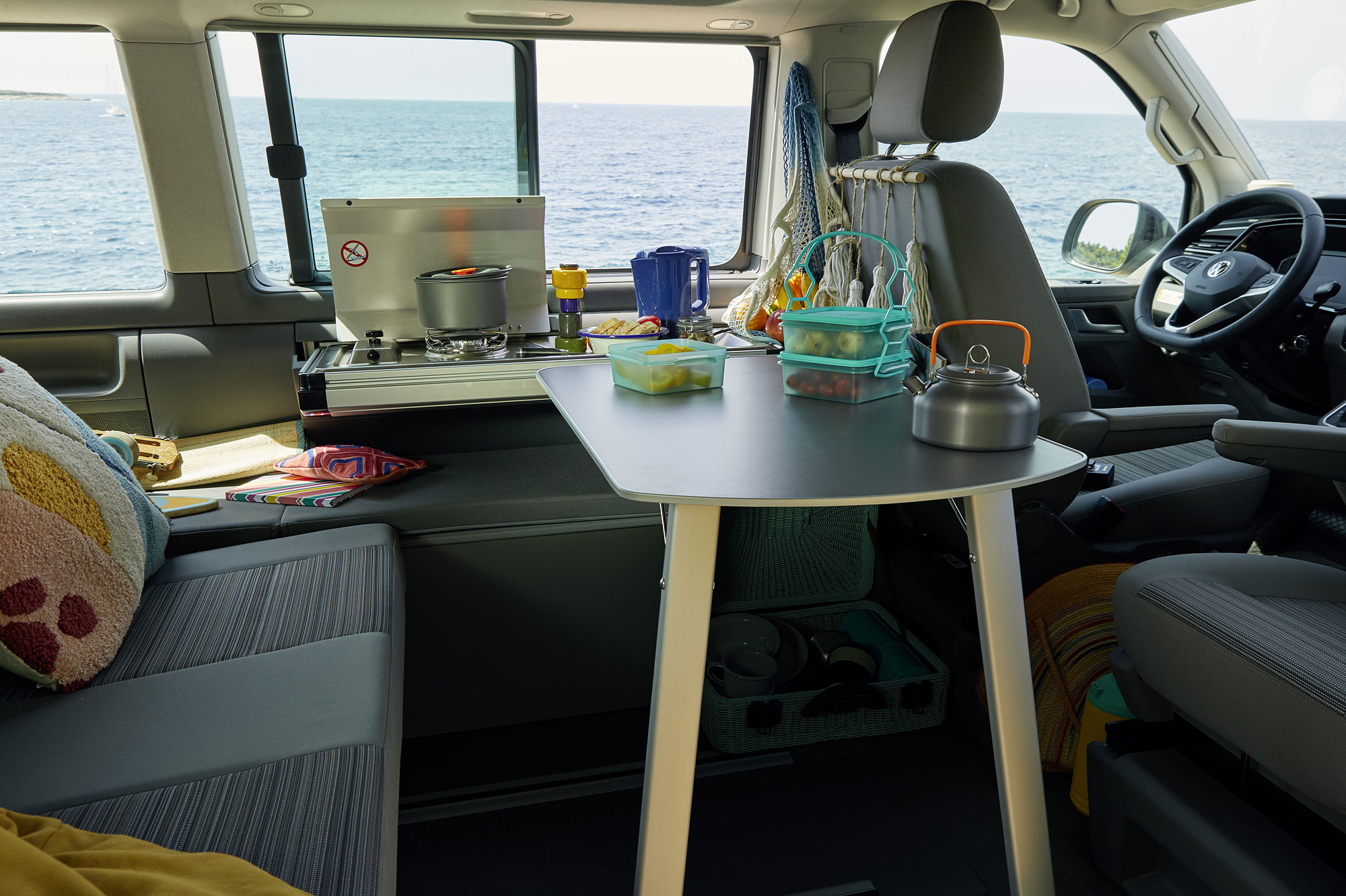 Beach Camper 首度在 California Beach 中導入廚房套件。