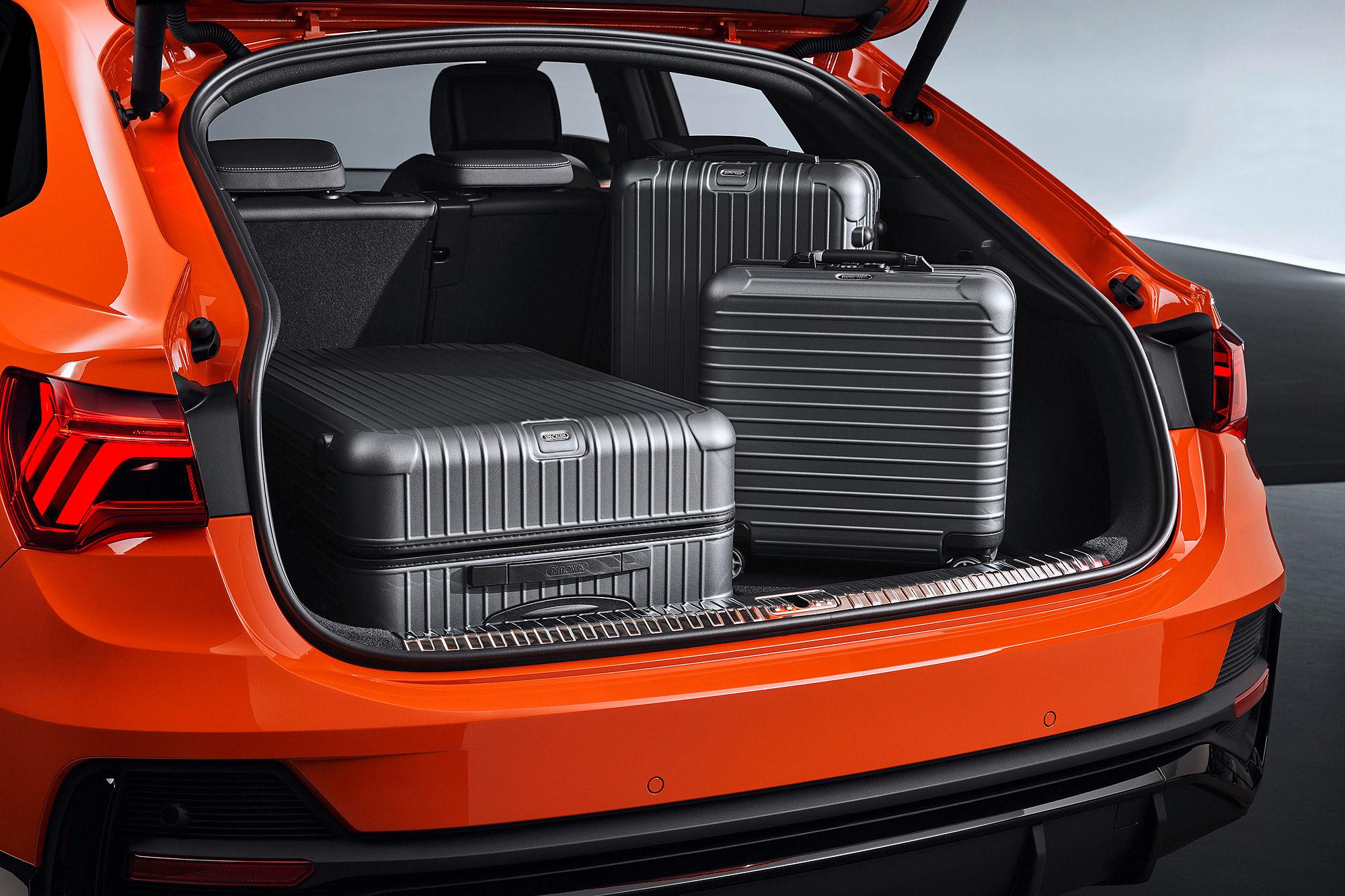 Q3 Sportback 具有 530 公升至 1,400 公升的行李廂容積。