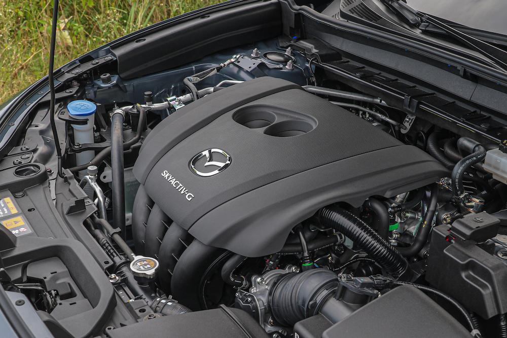165 hp/21.7 kgm 的 Skyactiv-G 直四引擎加速依然線性溫和。