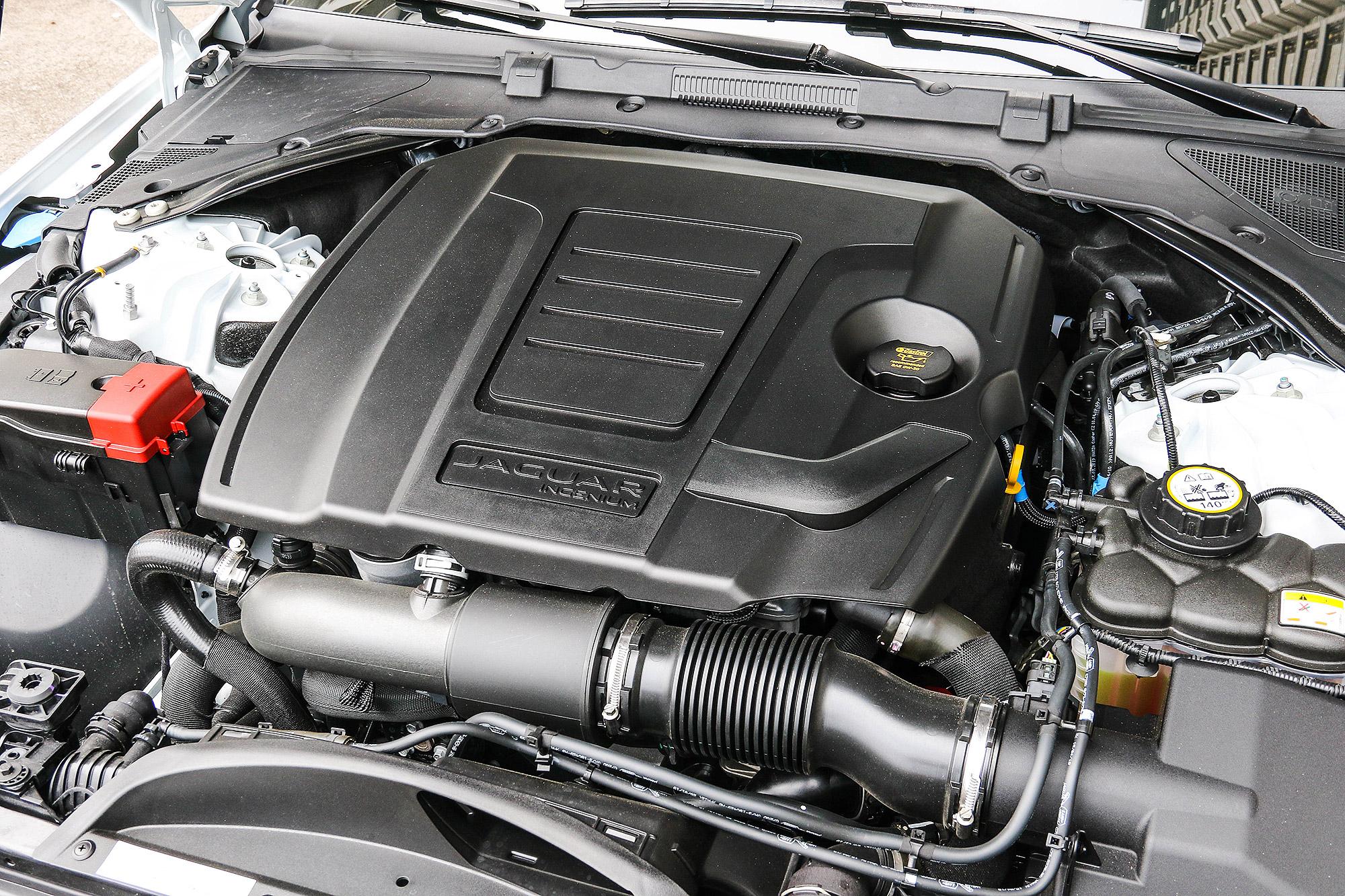 小改款 XE 在台灣以 2.0 升直 4 渦輪增壓引擎為主要動力來源。
