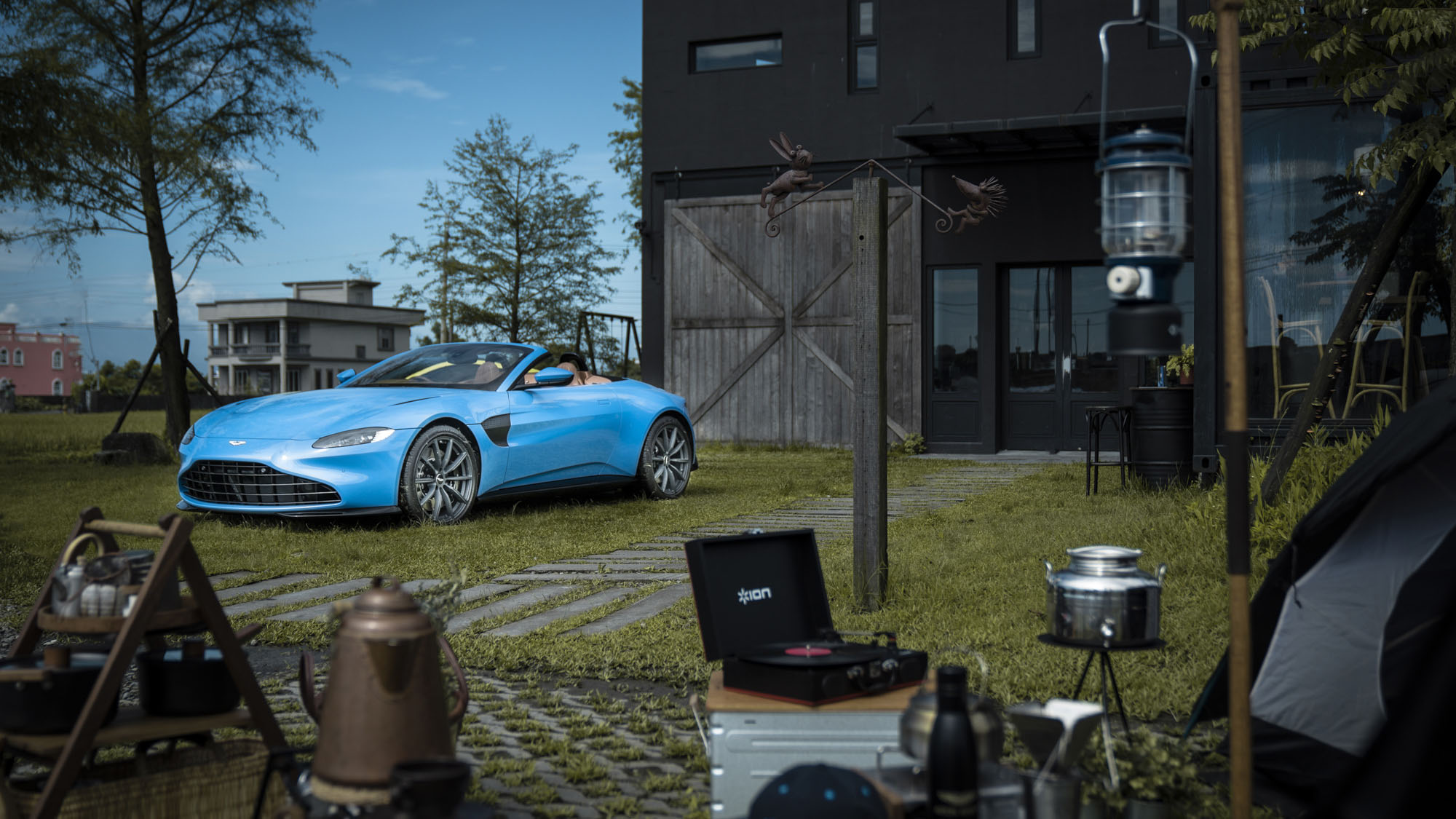 Aston Martin Vantage Roadster 有超跑般開篷速度,售價 980 萬起