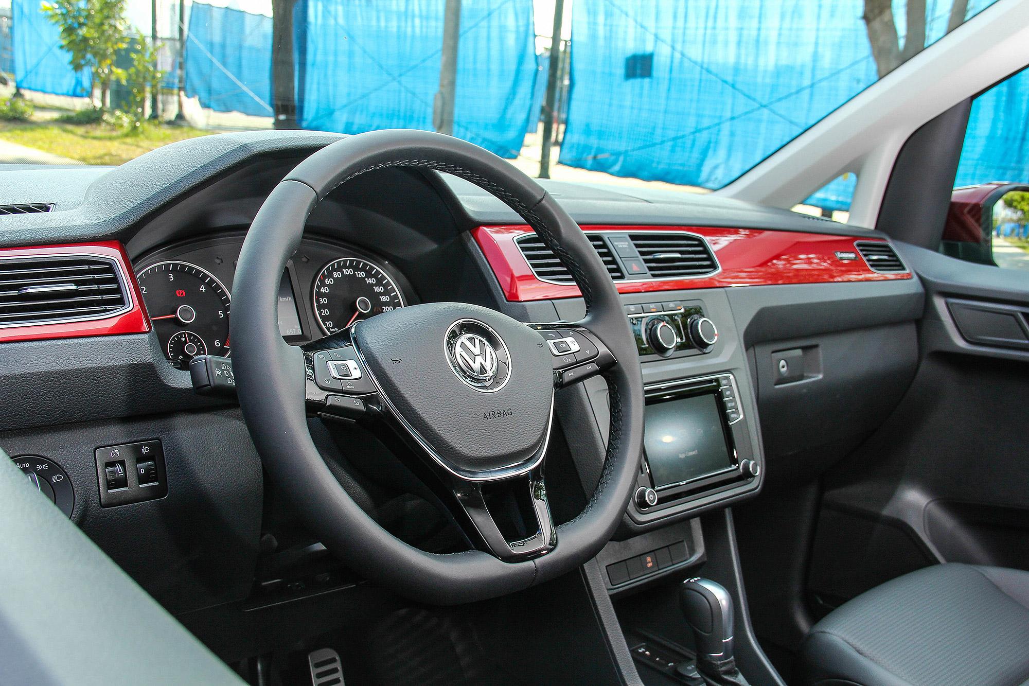 Caddy Maxi Home Run 傳奇版除了質感配備的升級,最大的重點是 iSafe 全智能駕駛輔助系統的導入。