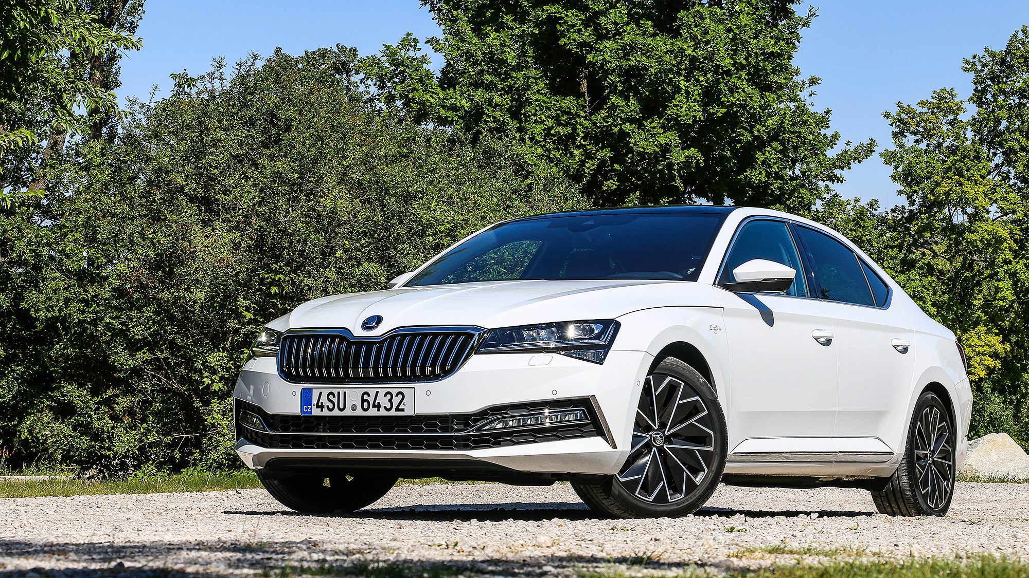 艱難的戰局,小改款 Škoda Superb 怎麼打?