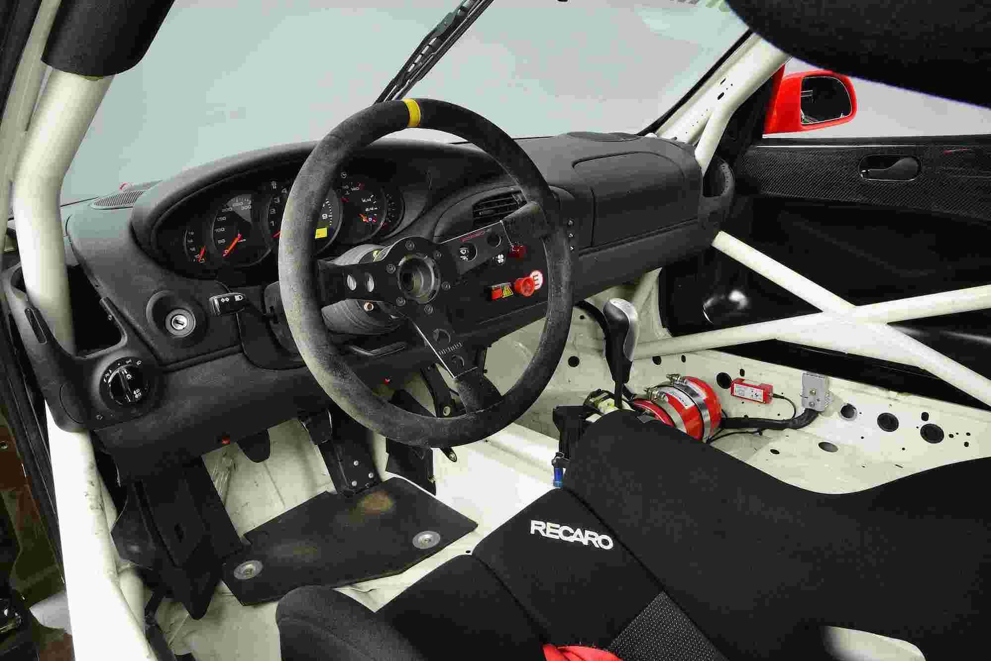 2000 年 Porsche 911 GT3 Cup(996)方向盤。