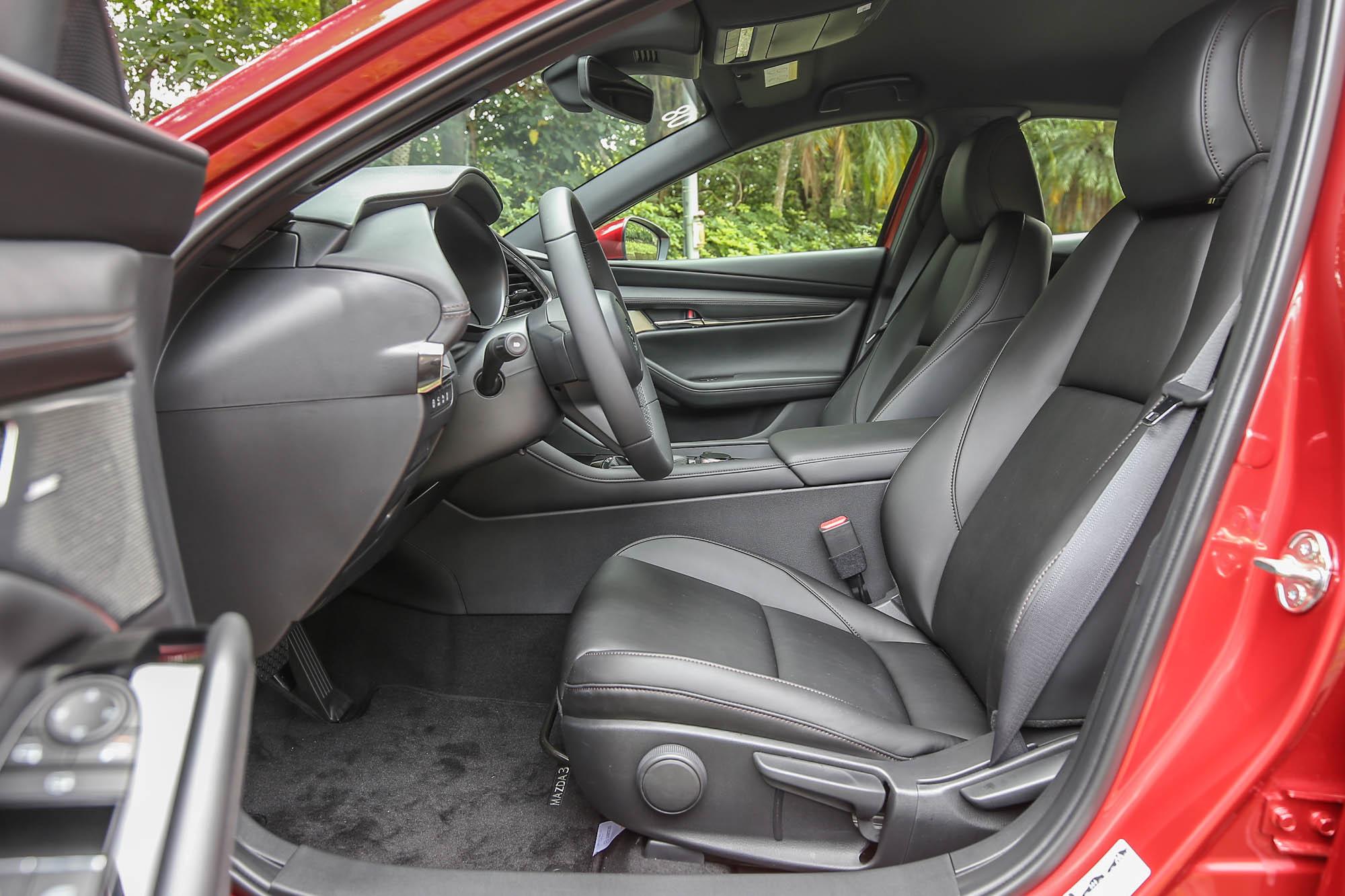相信我,身為一個 Volvo 車主,我對於新世代 Mazda3 座椅的肯定絕對不是騙人的。