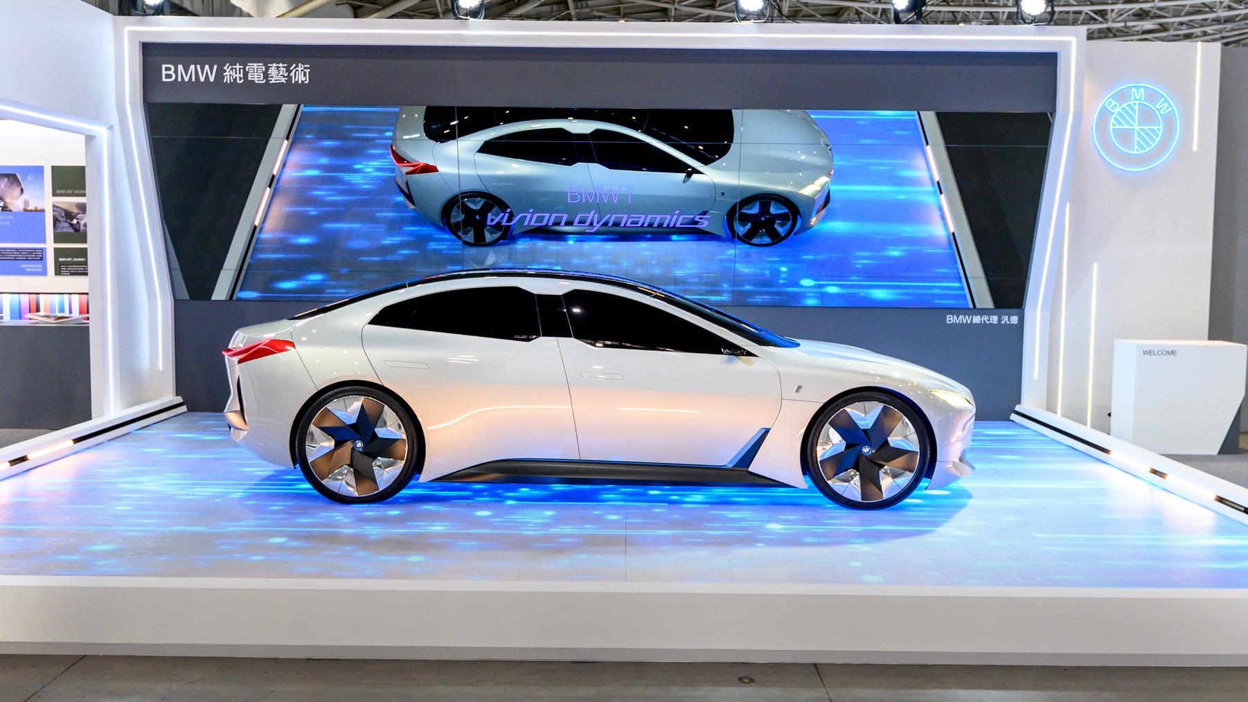台北車展沒看夠?BMW i Vision Dynamics 概念車本週末以藝術之名回歸南港展覽館