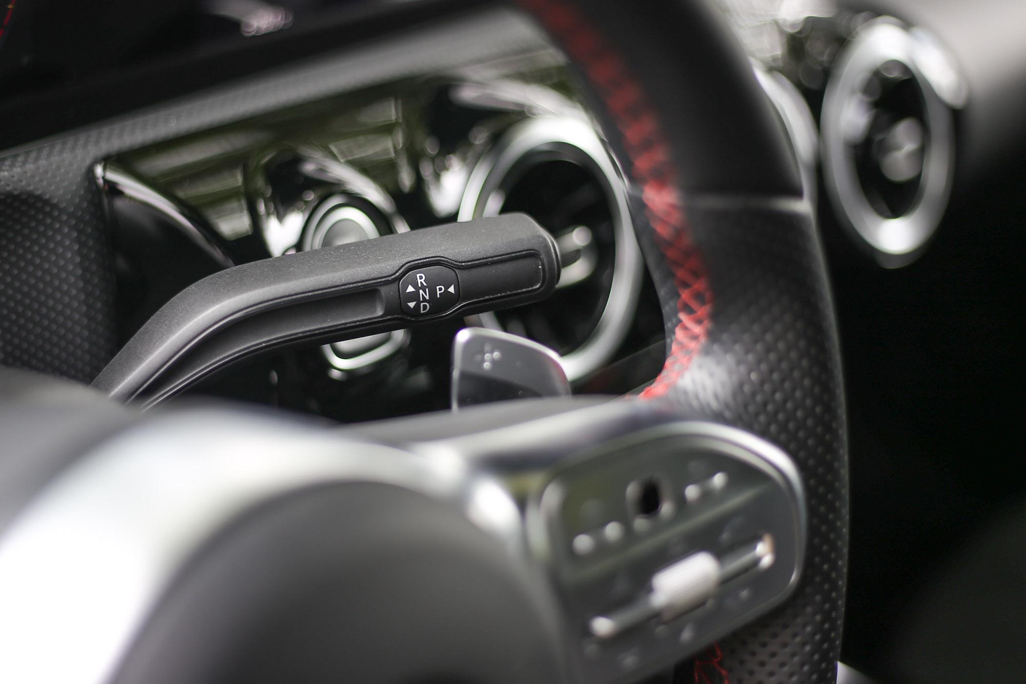 搭配七速雙離合器自手排變速系統後,可於 6.2 秒完成 0-100km/h 加速過程。