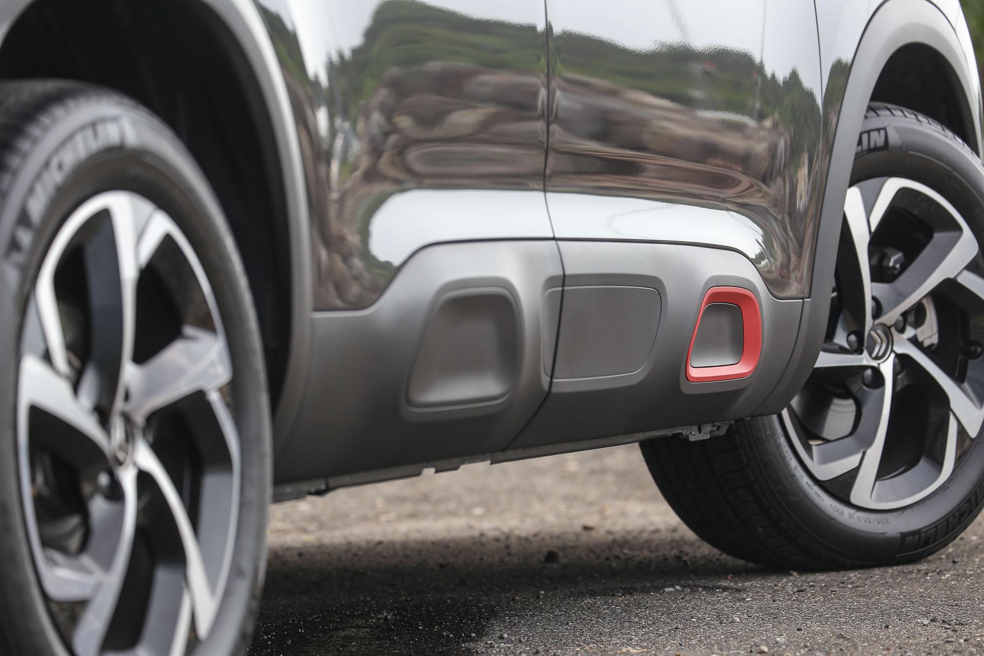 隨車處處可見的矩形元素,也可說是近年來 Citroen 於旗下休旅車的設計主軸。