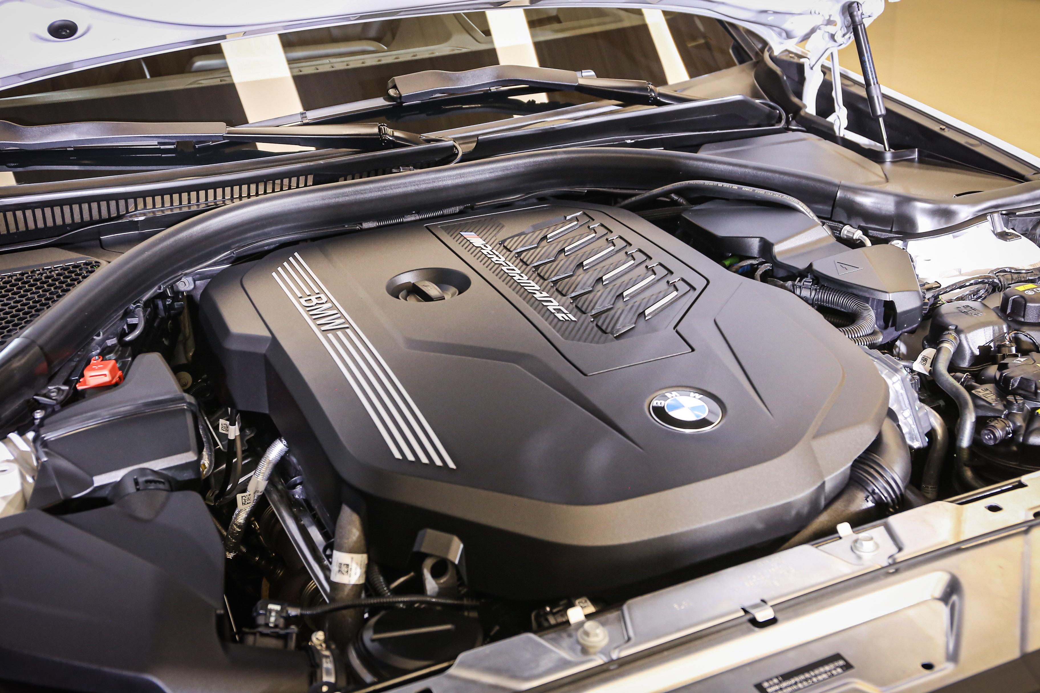 3.0 升 TwinPower Turbo 直列 6 汽缸汽油輸出 500 牛頓米、374 匹最大馬力。
