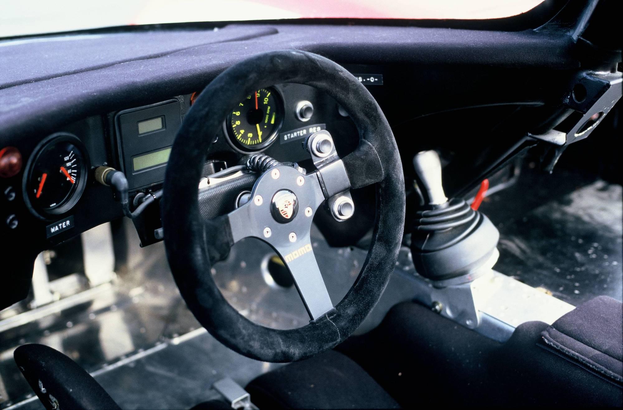 1986 年 Porsche 962 方向盤。