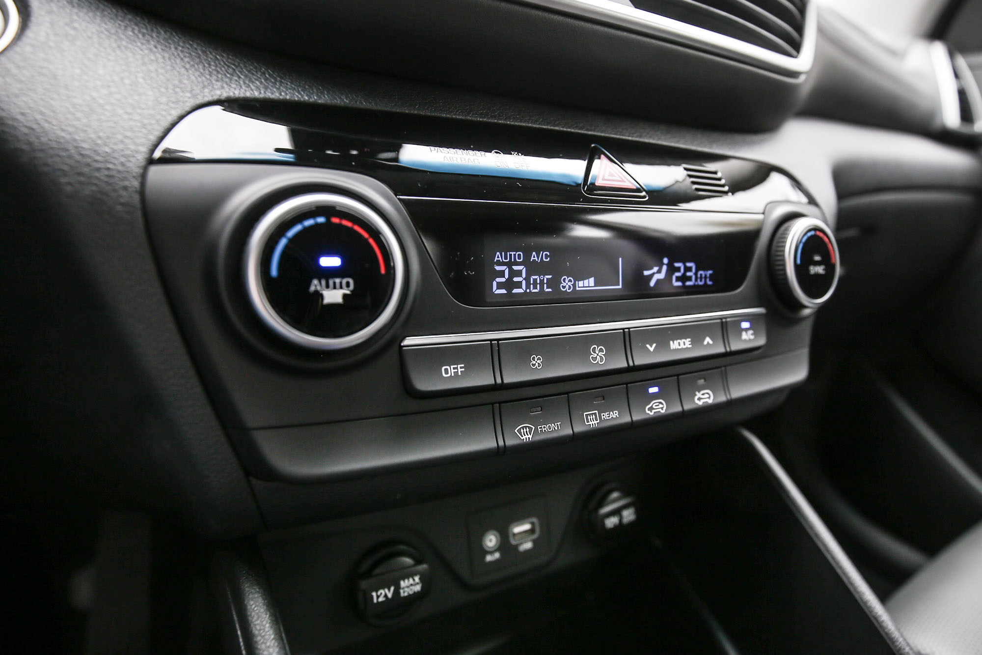 雙區恆溫空調也是全車系配備。