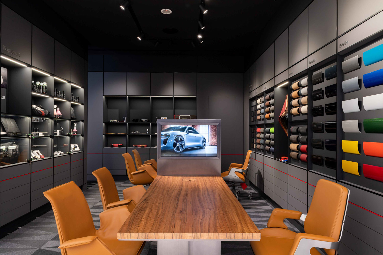 「Porsche Exclusive Manufaktur」提供高規格客製化服務。