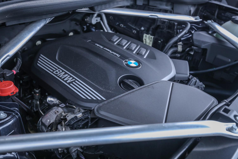 X5 xDrive25d搭載 2.0升直列四缸柴油引擎,最大馬力為 231hp/4400rpm,峰值扭力為450Nm/1500rpm。