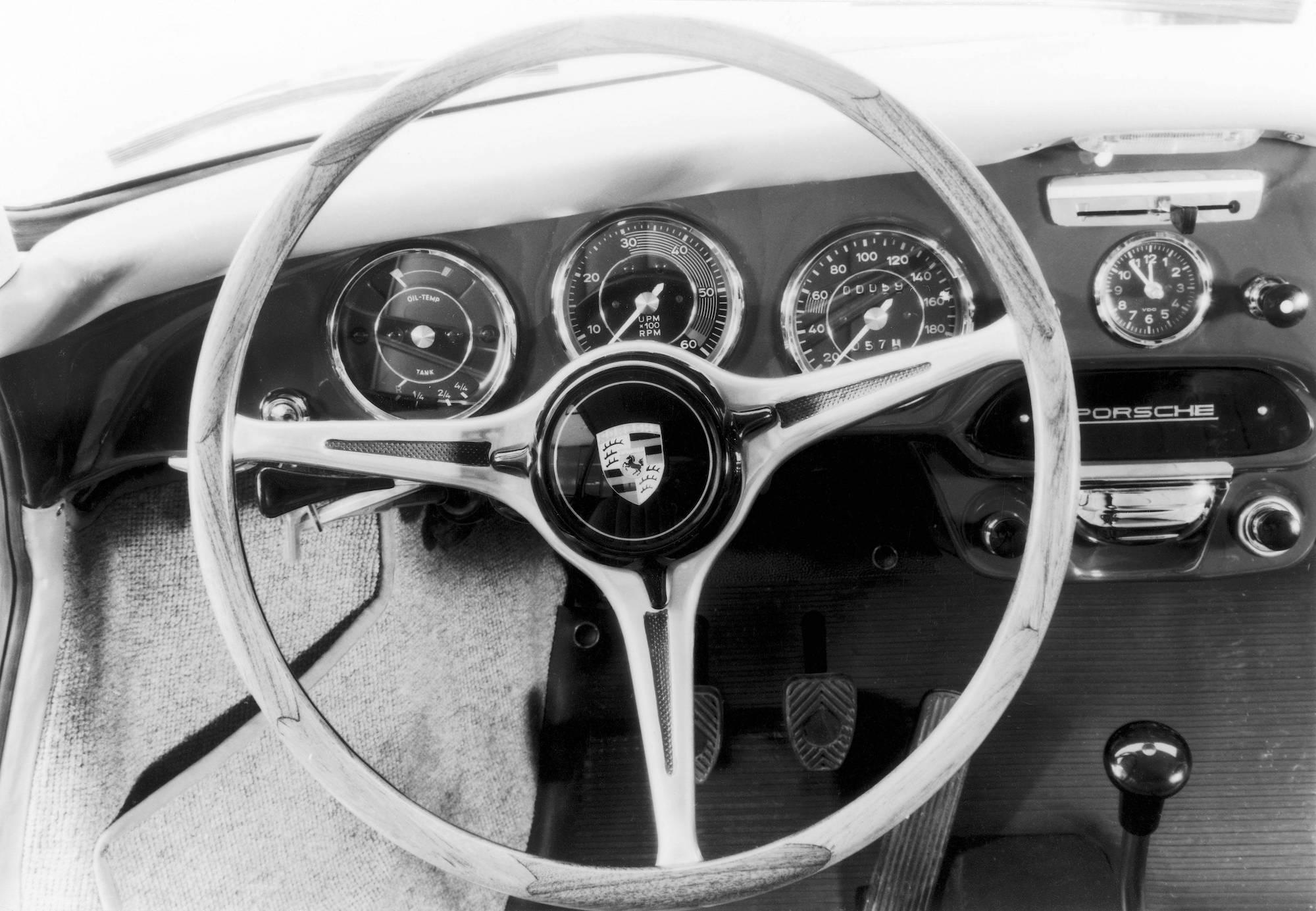 1964 年 Porsche 356 C 方向盤。