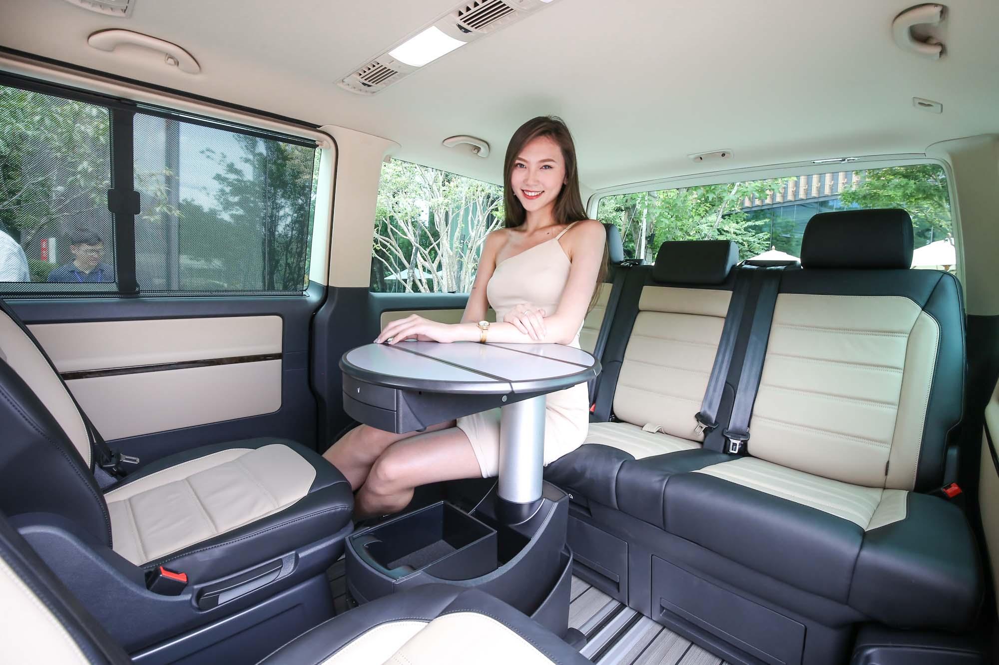 如果買車有送秘書應該也是相當有力的促銷方式...(喂!不要這樣物化女性!)