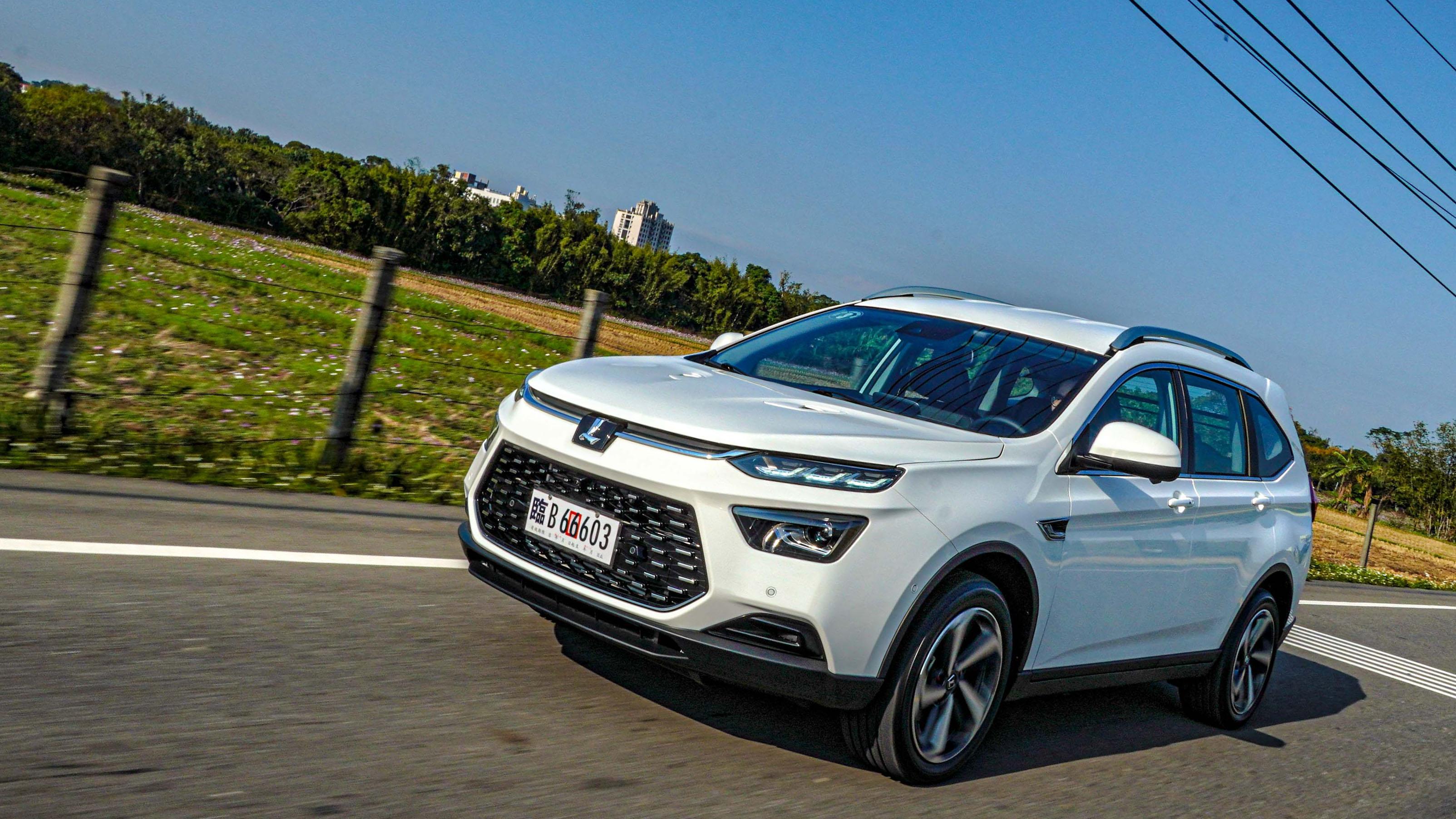 做一台「好開的車」,Luxgen URX 5+2 休旅能否翻轉困境?