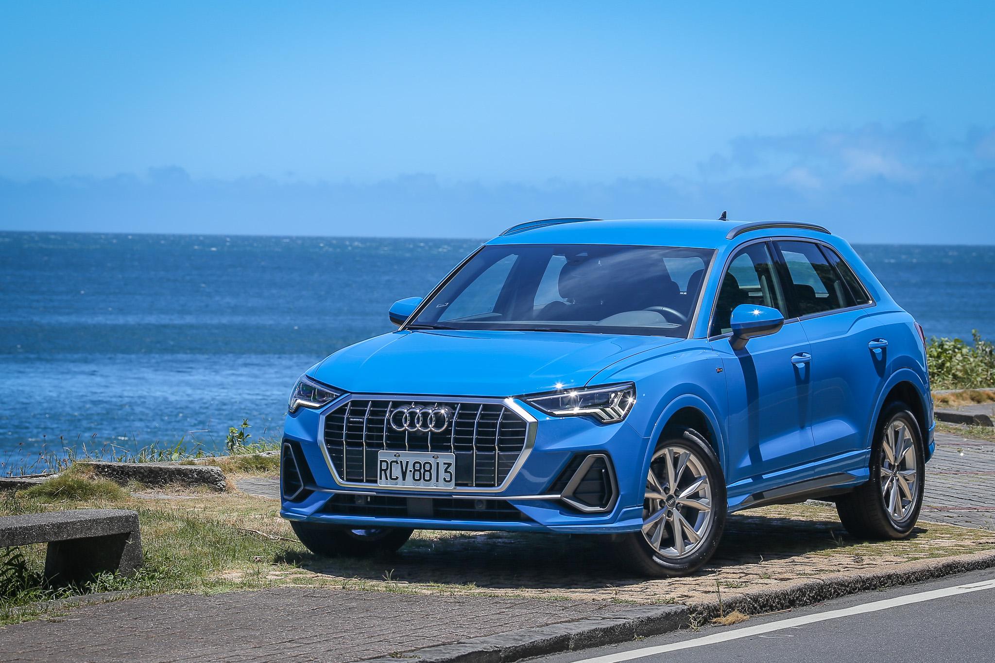 試駕車款為Audi Q3 40 TFSI quattro S line,建議售價自新台幣 216 萬起。