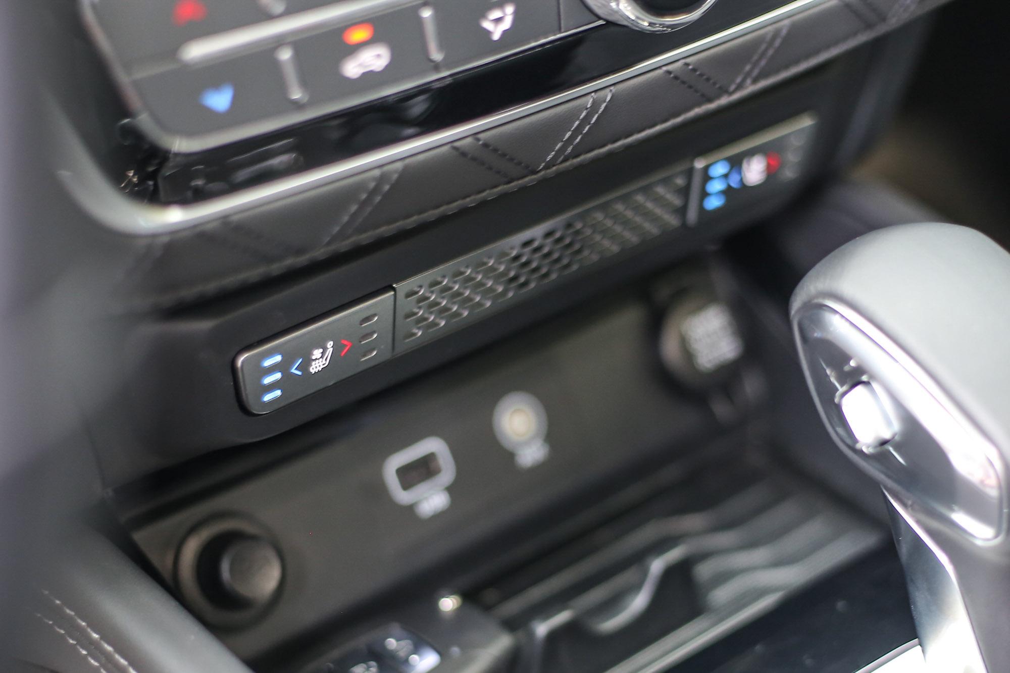 前座冷熱通風功能,在酷夏或嚴寒都是用車好夥伴。