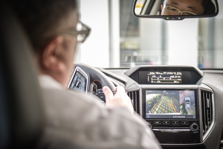 全新 XV GT Edition 新增「360環景影像系統」。