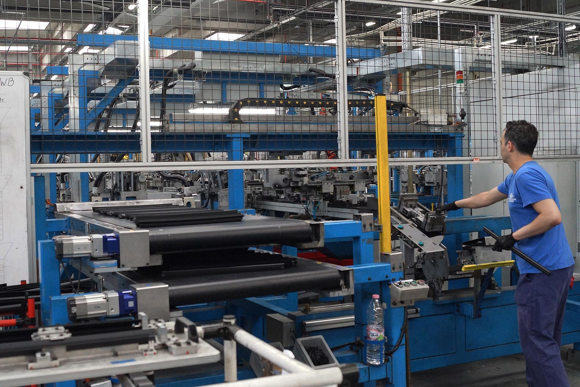 雖然台灣無法自中國輸入成車產品,但中國製造的零件已經深入國產組裝廠的供應鏈。