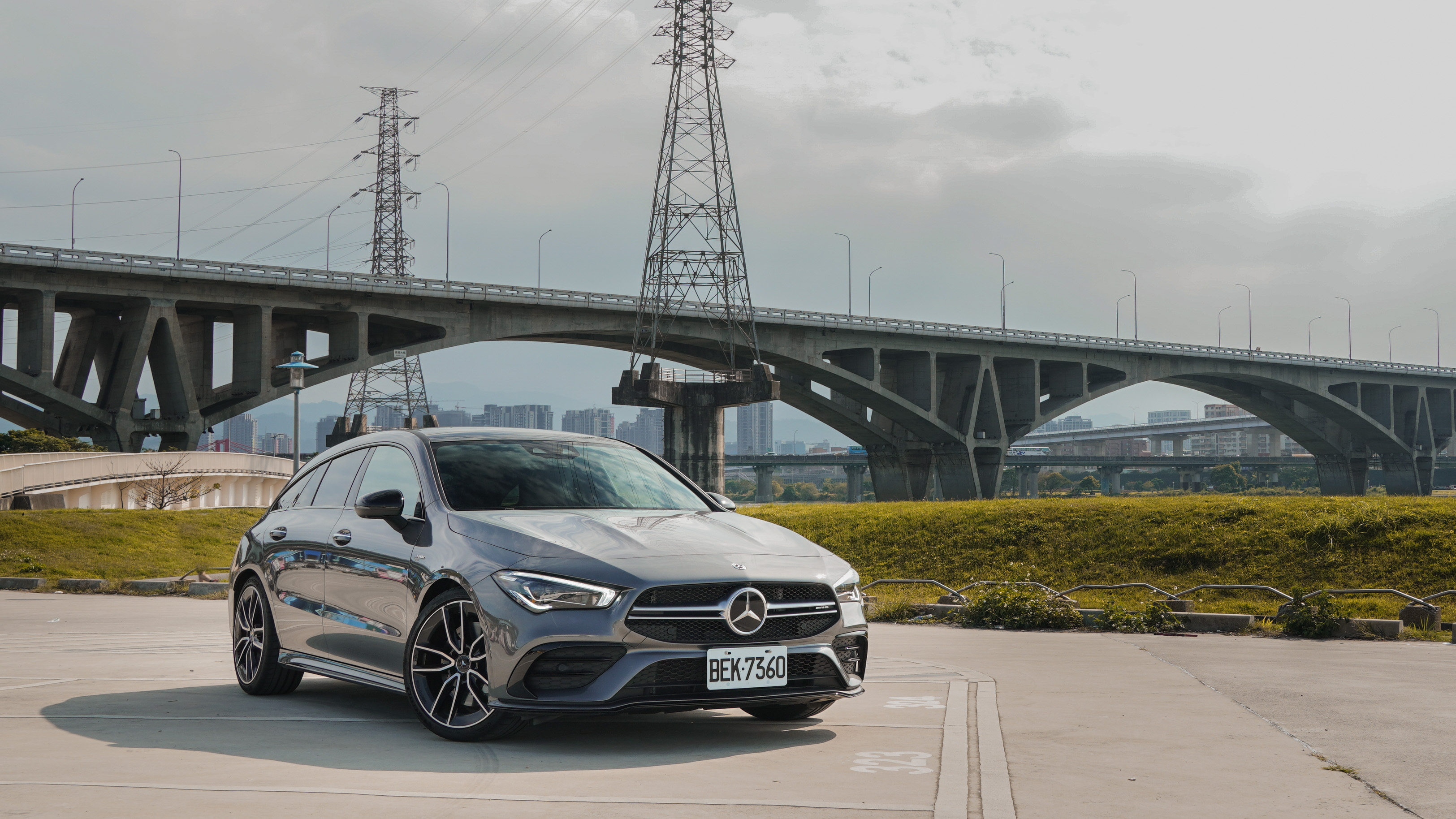 Mercedes-AMG CLA 35 4MATIC Shooting Brake 售價 276 萬元起。