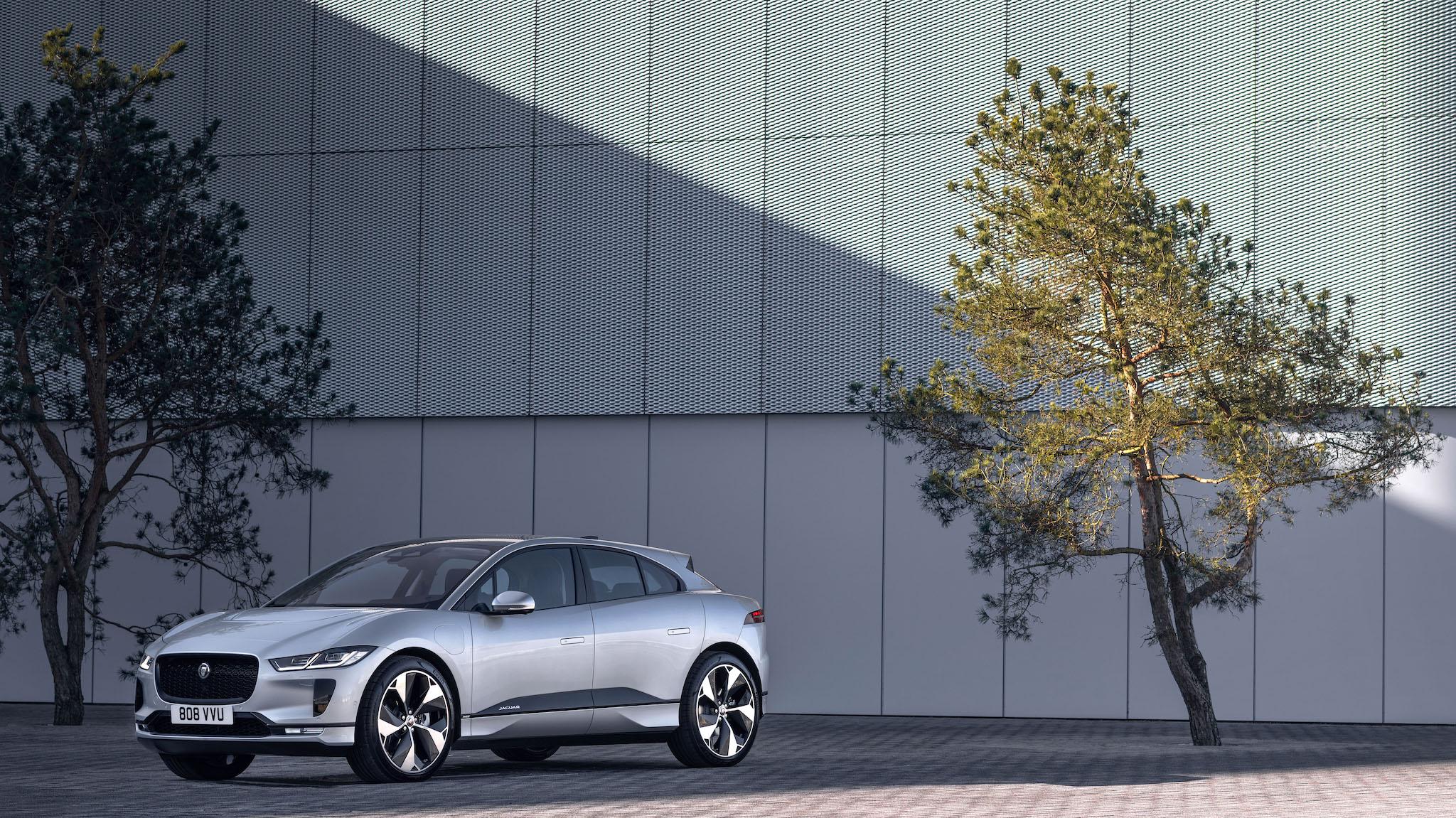 2021 年式 Jaguar I-PACE 外在更亮眼,內在更成熟
