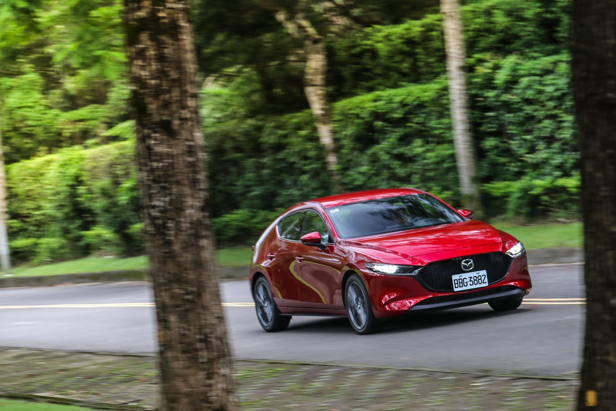 人馬一體的自然駕馭感受,全新 Mazda3 確實演繹得相當完美。