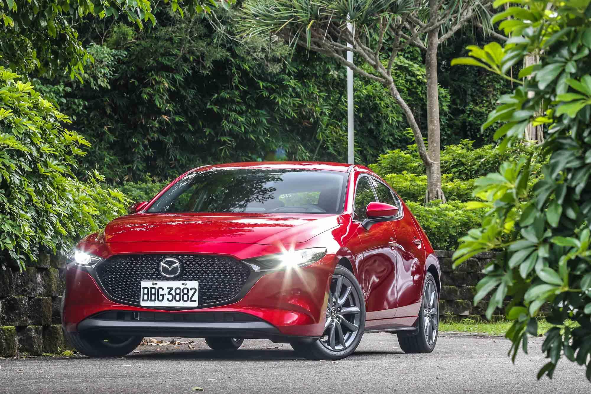 此次試駕為售價 98.9 萬元的五門 Mazda3 BOSE® 旗艦型。