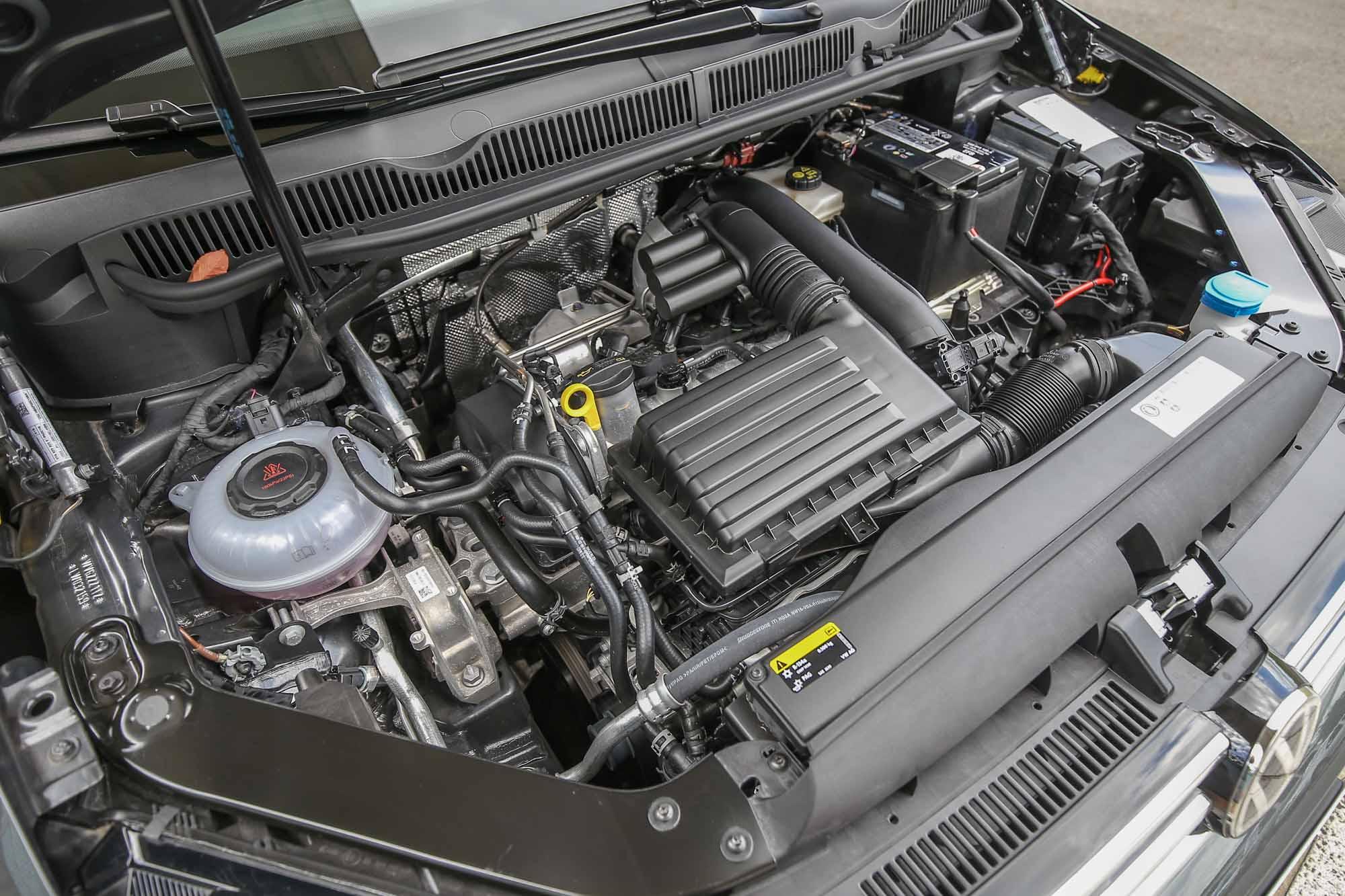 Touran 全面採取單一動力配置,280 TSI 代表的是搭載 1.4 升渦輪增壓汽油引擎,具備 150hp/5000~6000rpm 最大馬力與 25.5kgm/1500~3500rpm 最大扭力輸出。