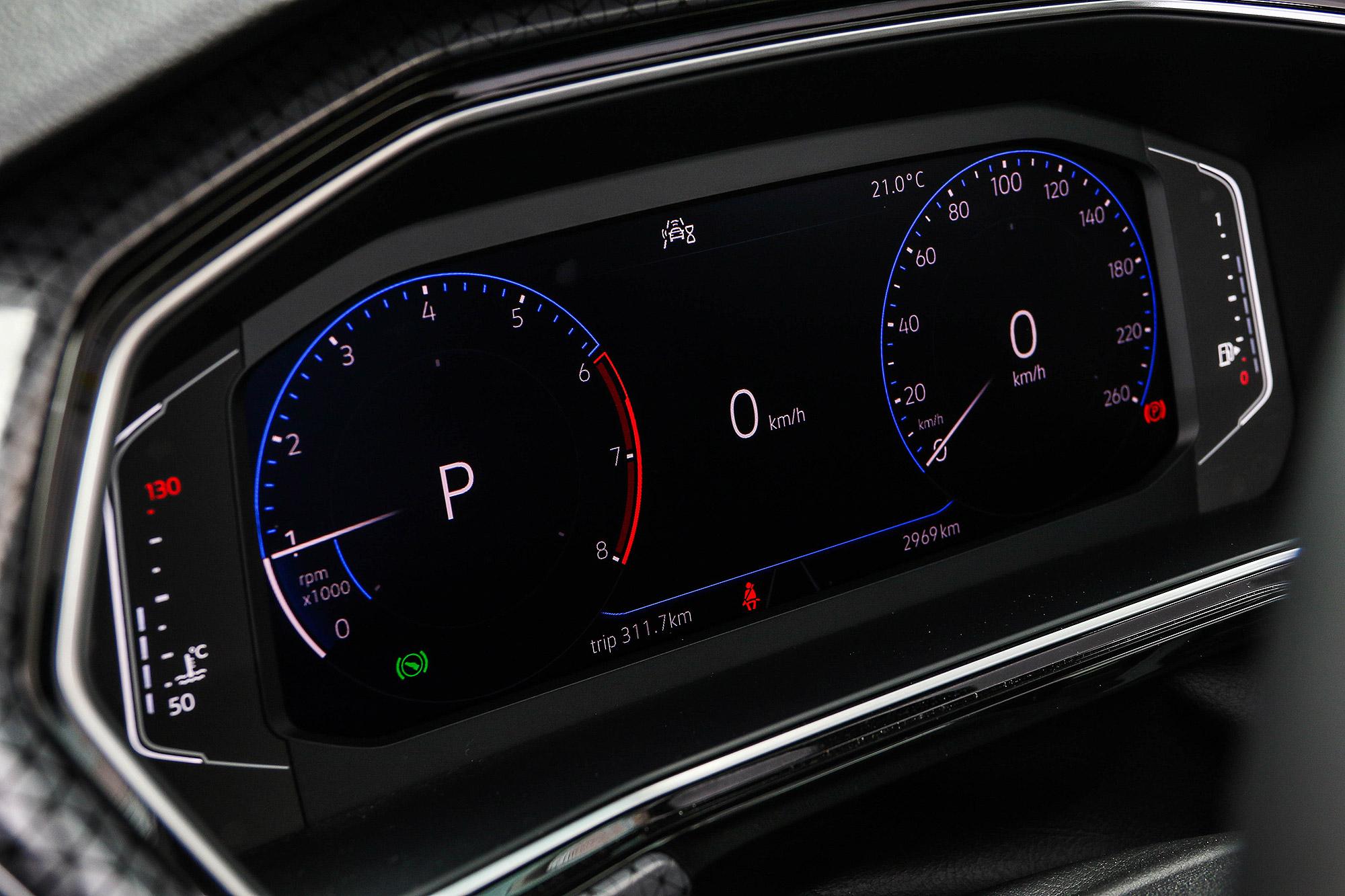 10.25 吋全邏輯數位儀表板為 Style Design 以上車型標配。