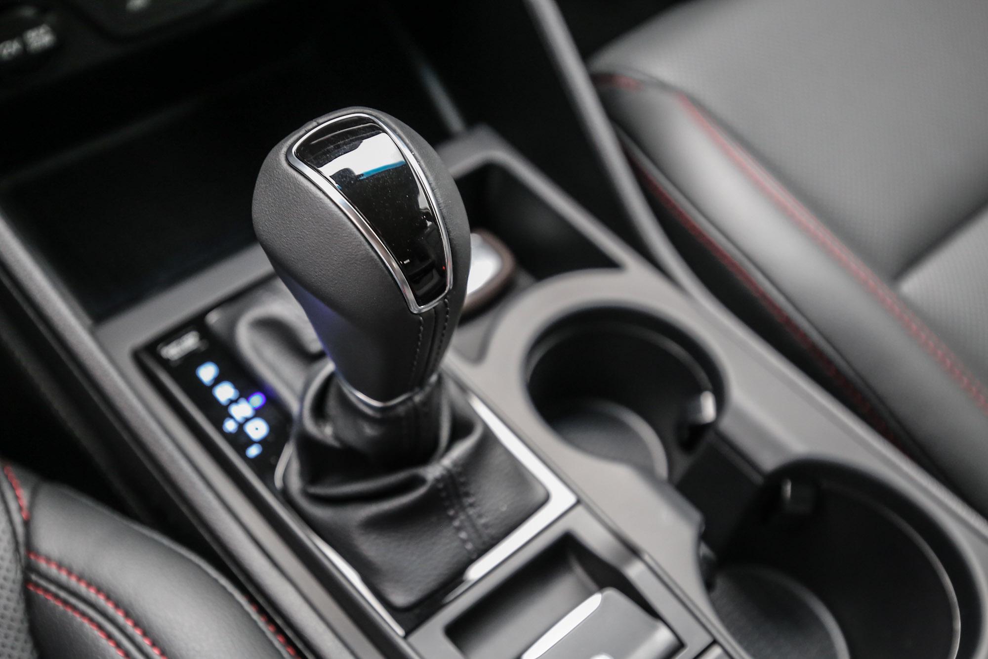 除了柴油車型是配備八速手自排變速箱以外,汽油車型都是搭配七速雙離合器自手排變速箱。