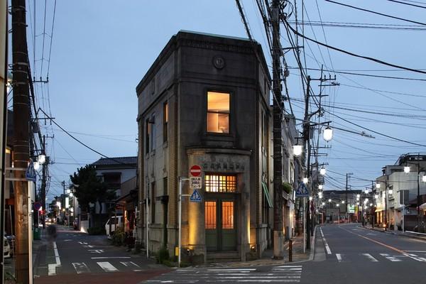 http://www.spoon-tamago.com/wp-content/uploads/2016/11/the-bank-bar-yokohama-2.jpg