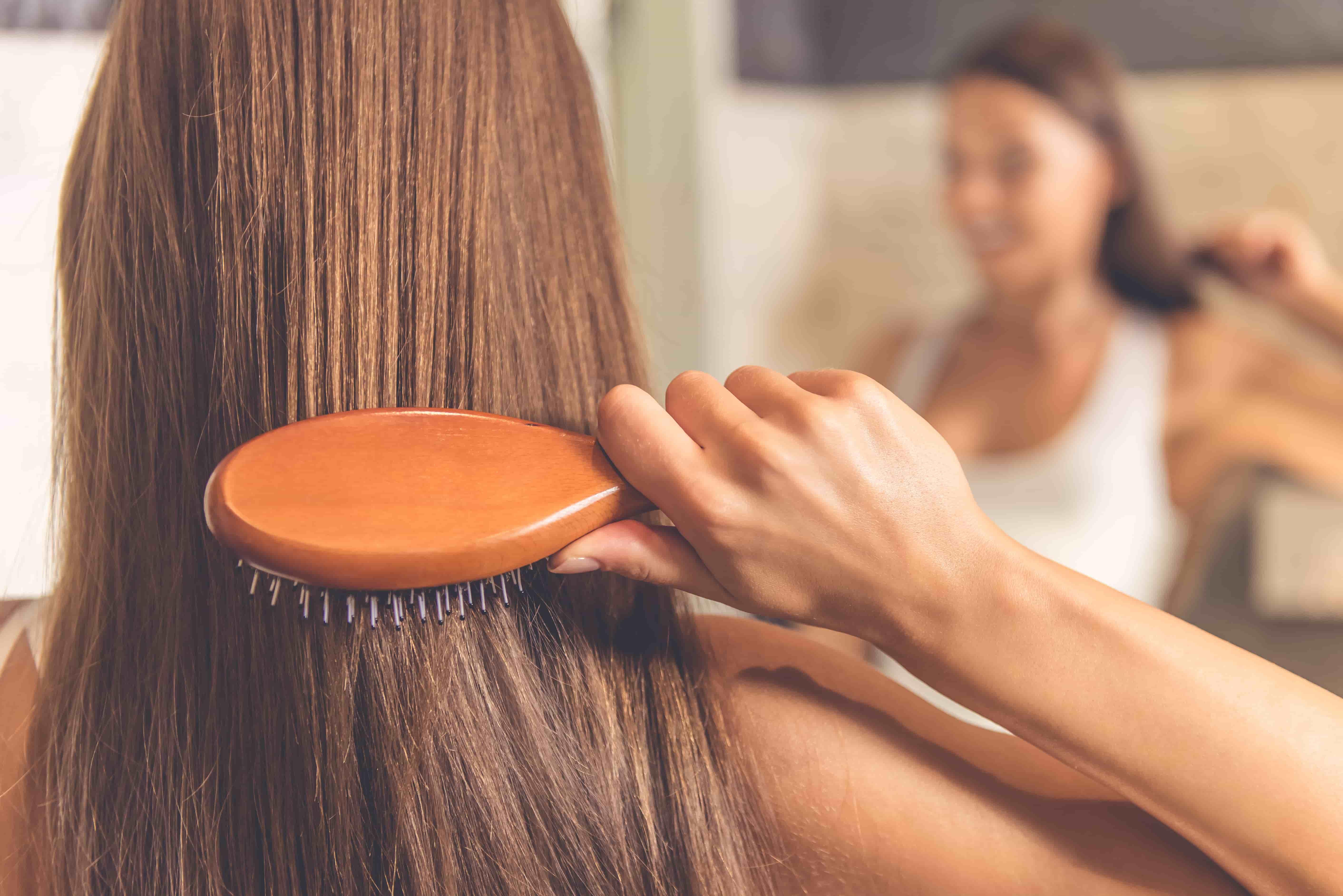 <p> ▲正確梳頭能夠幫助頭皮舒壓。(圖/Shutterstock)</p>